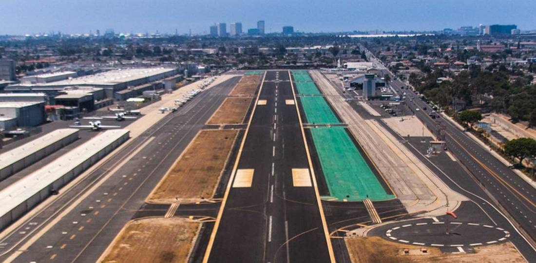 Jack Northrop Field/Hawthorne Airport is conveniently located for Los Angeles visitors and offers a 4,884-foot runway.