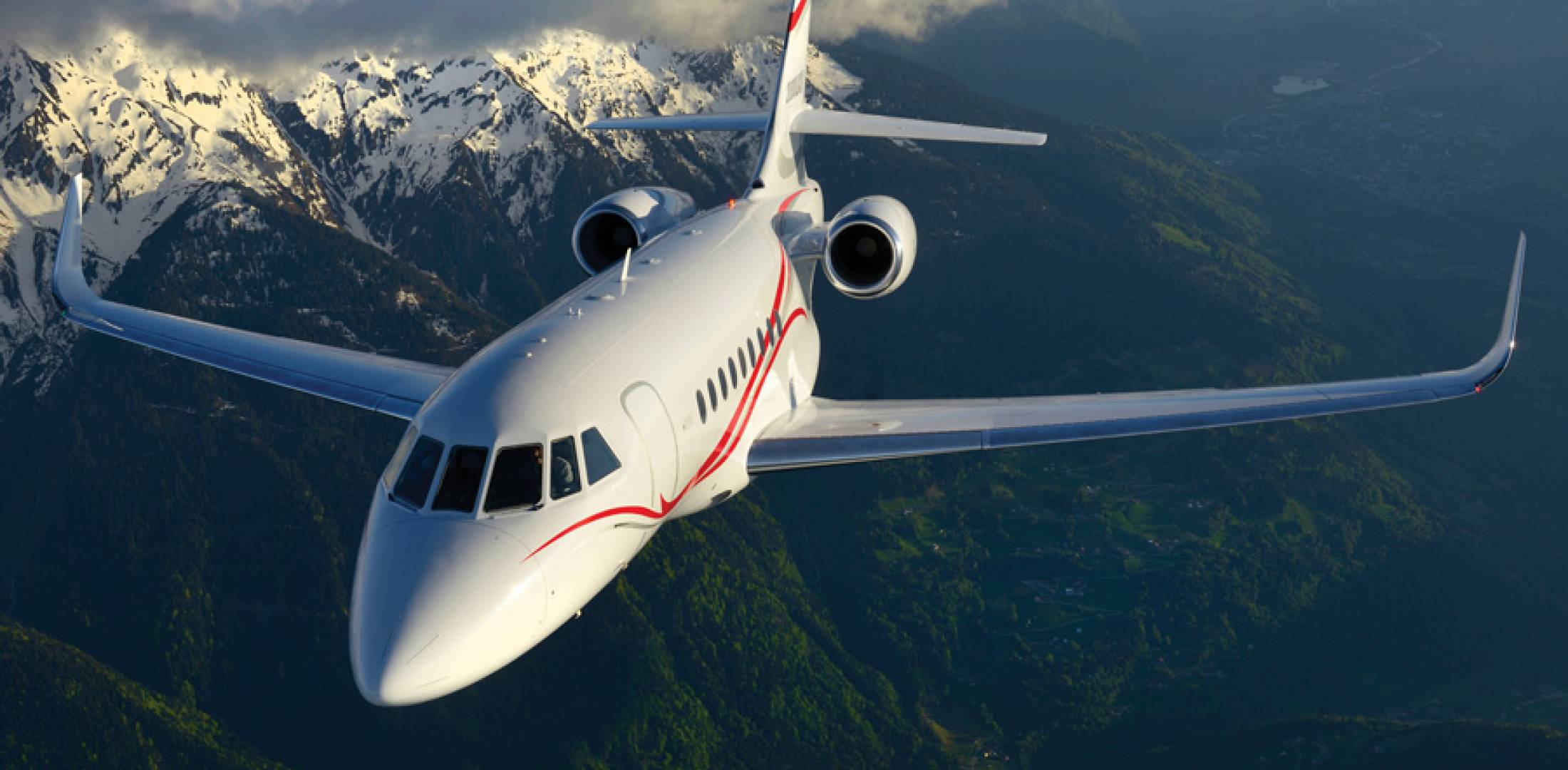Dassault's new, widebody Falcon 2000LXS is designed with forward-edge wing slats that offer a reduction in Vref speed to 107 knots, a 4,675-foot takeoff distance and 2,300 feet for landing. Sticker price is expected to be $32.8 million.