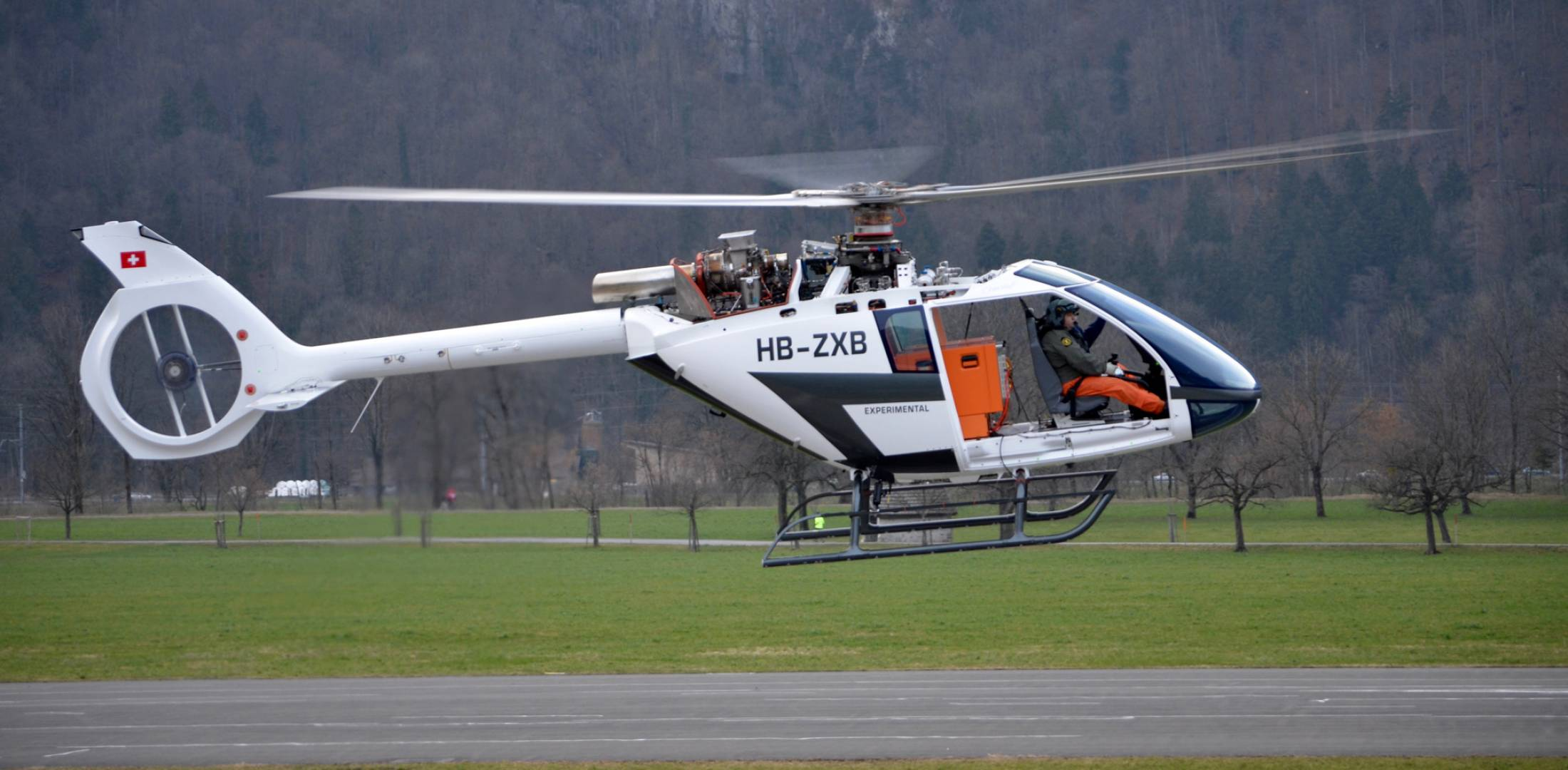 Marenco SKYe SH09 helicopter P2