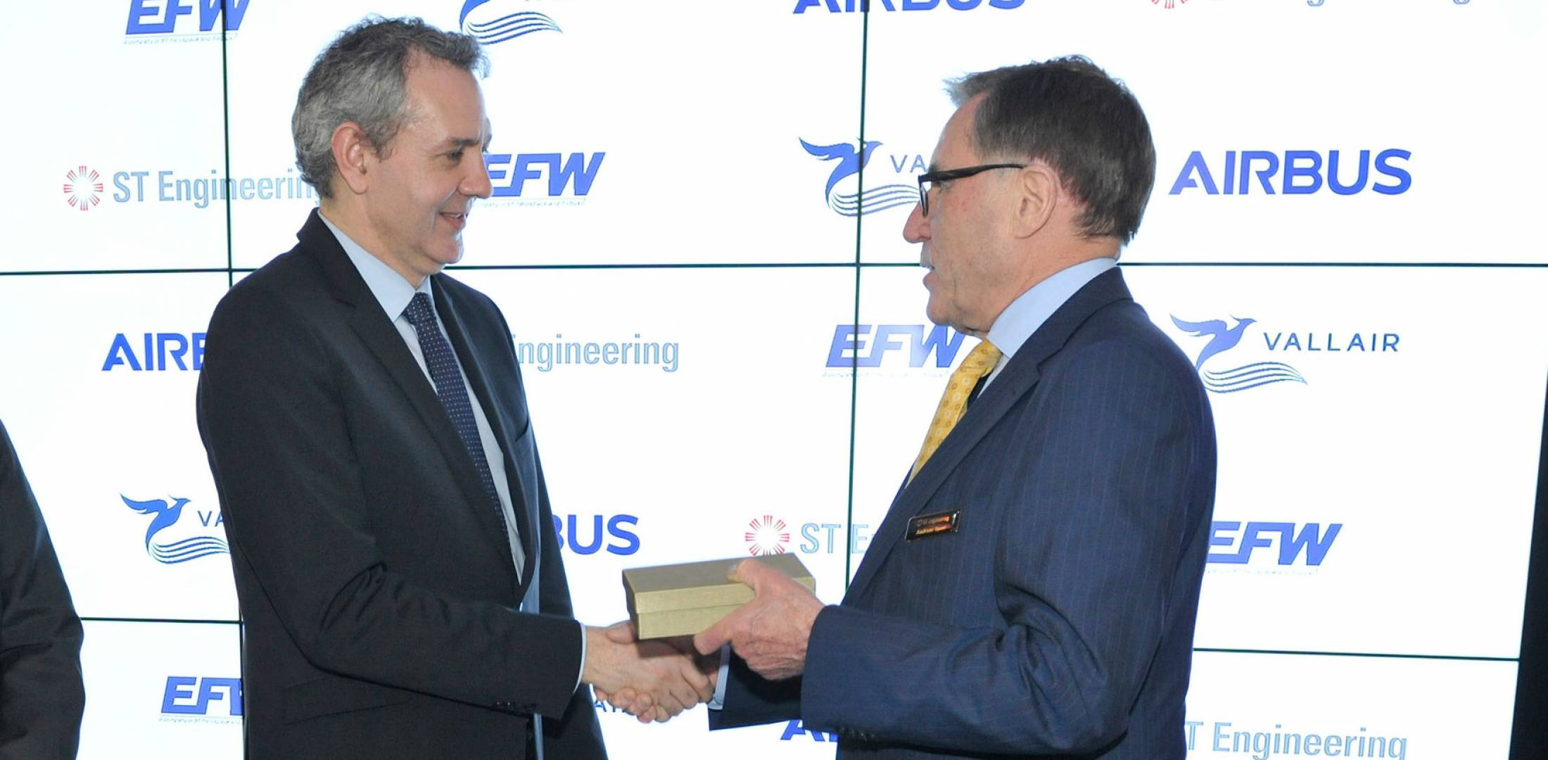 celebrate the launch of the Airbus A321 passenger-to-freighter airliner conversion program. Photo: Mark Wagner