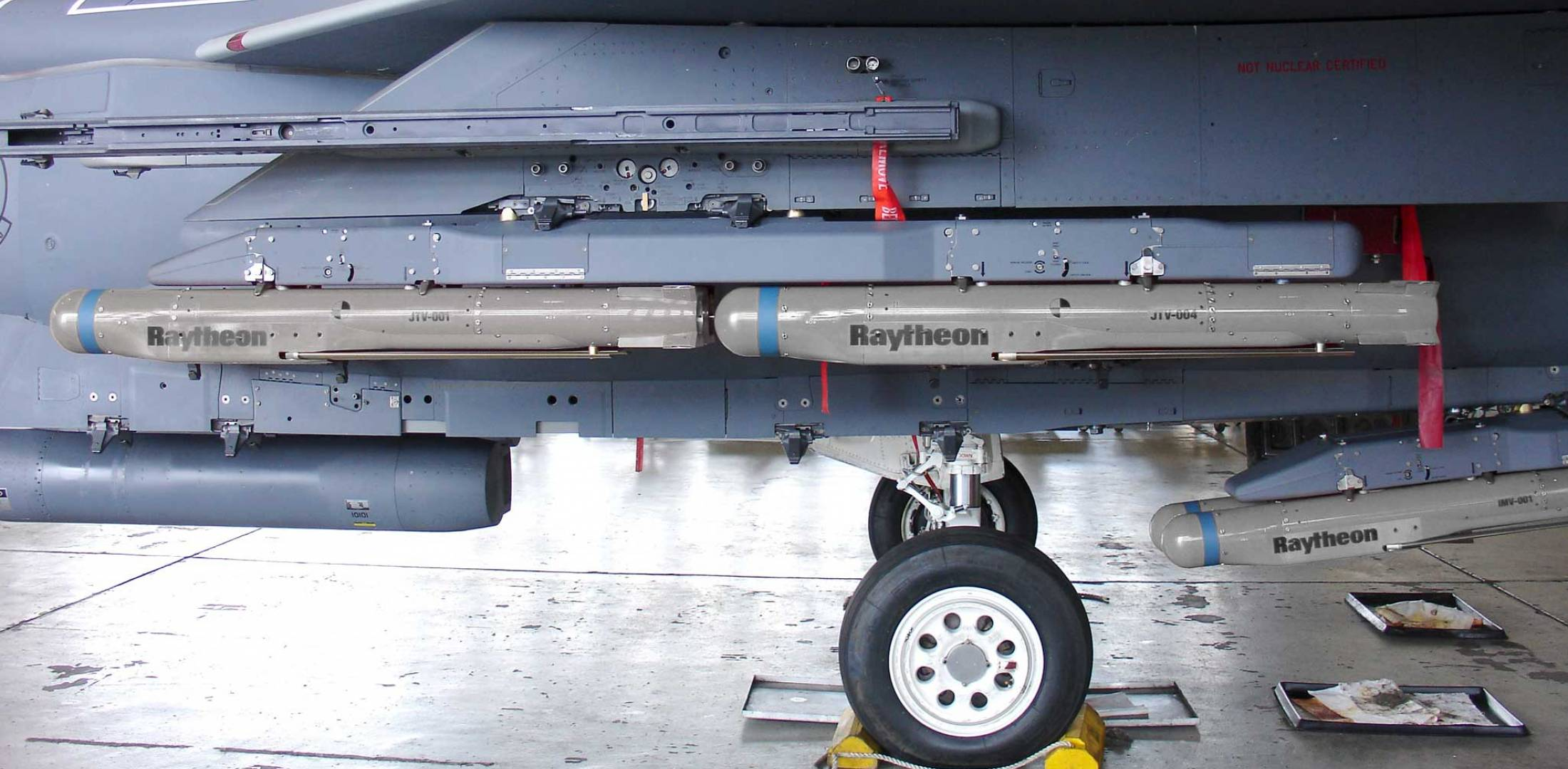 missiles on a fighter jet