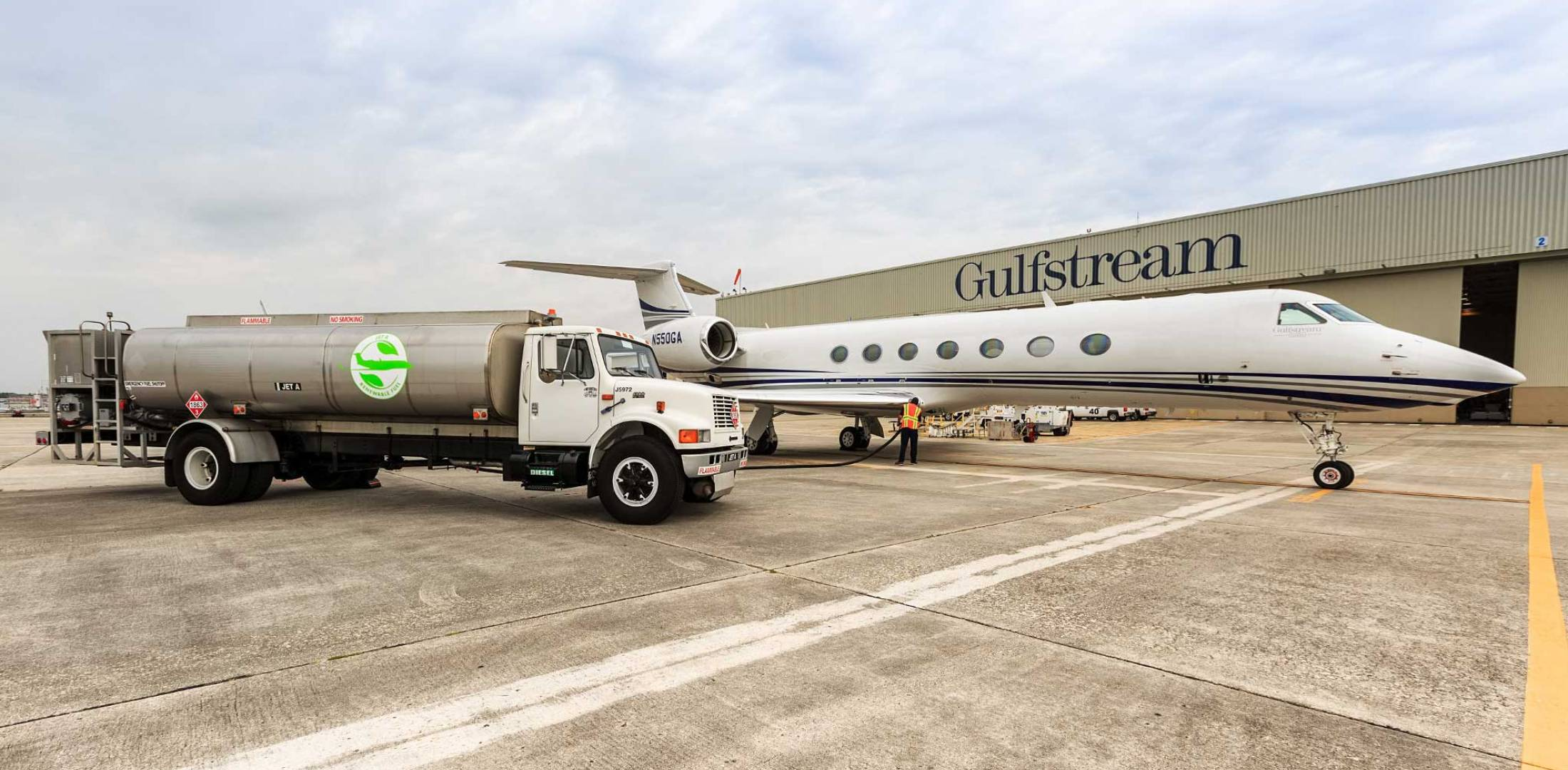 SAF tanker on Gulfstream's ramp