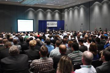 """It was a packed house for the first of several """"iPad in the Cockpit"""" education seminars during NBAA'12. Jeppesen FliteDeck Pro, Foreflight and WingX7Pro applications were featured."""