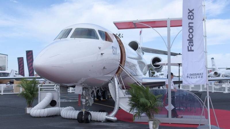Spotlight on the Dassault Falcon 8X Business Jet Interior