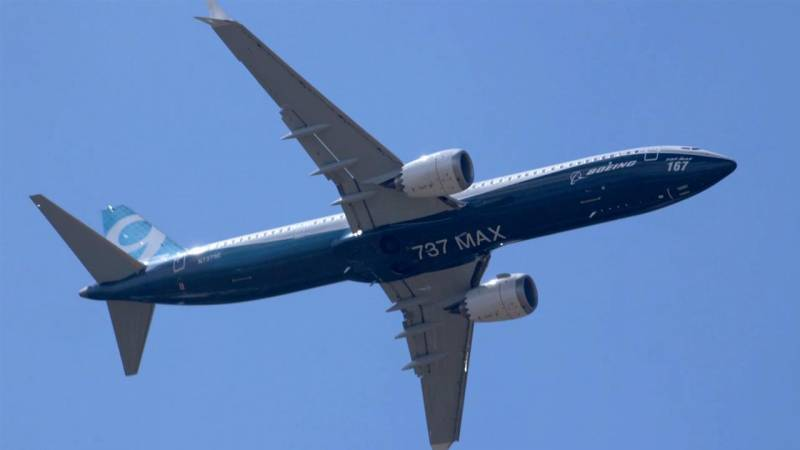Boeing's 737 Max 9 Airliner Performs Validation Flight at Paris Air Show 2017