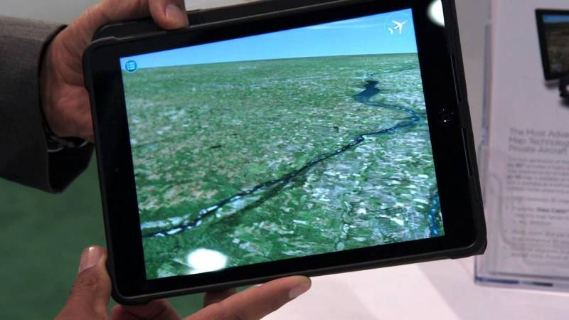 """See """"Through"""" Your Airplane at 30,000 Feet With This Interactive Moving Map System"""