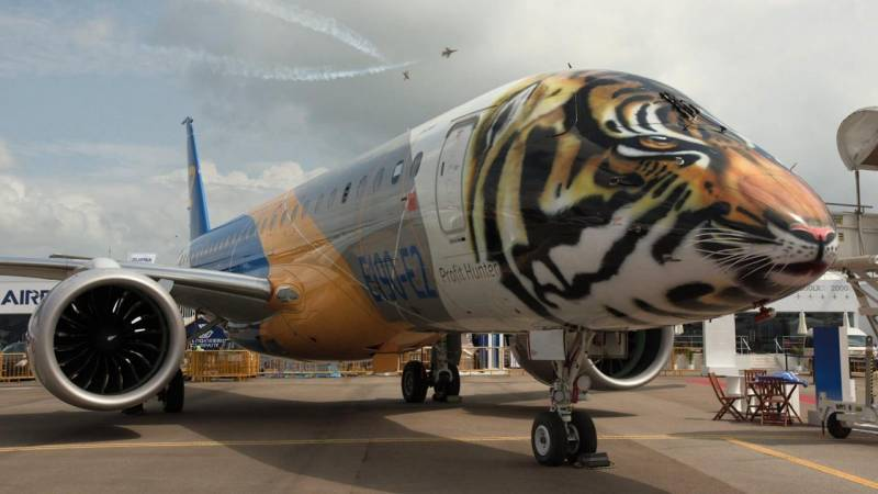 Embraer's Tiger Liveried E190-E2 Airliner Roars as Certification Approaches