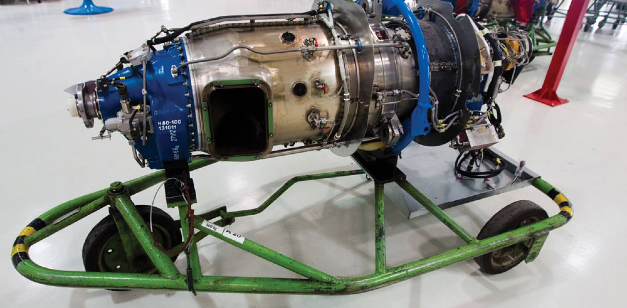 Although air flows through the H80 from the rear to the front, with the two exhausts located just behind the propeller, it is a compact straight-flow design with no complex flow-reversal sections.