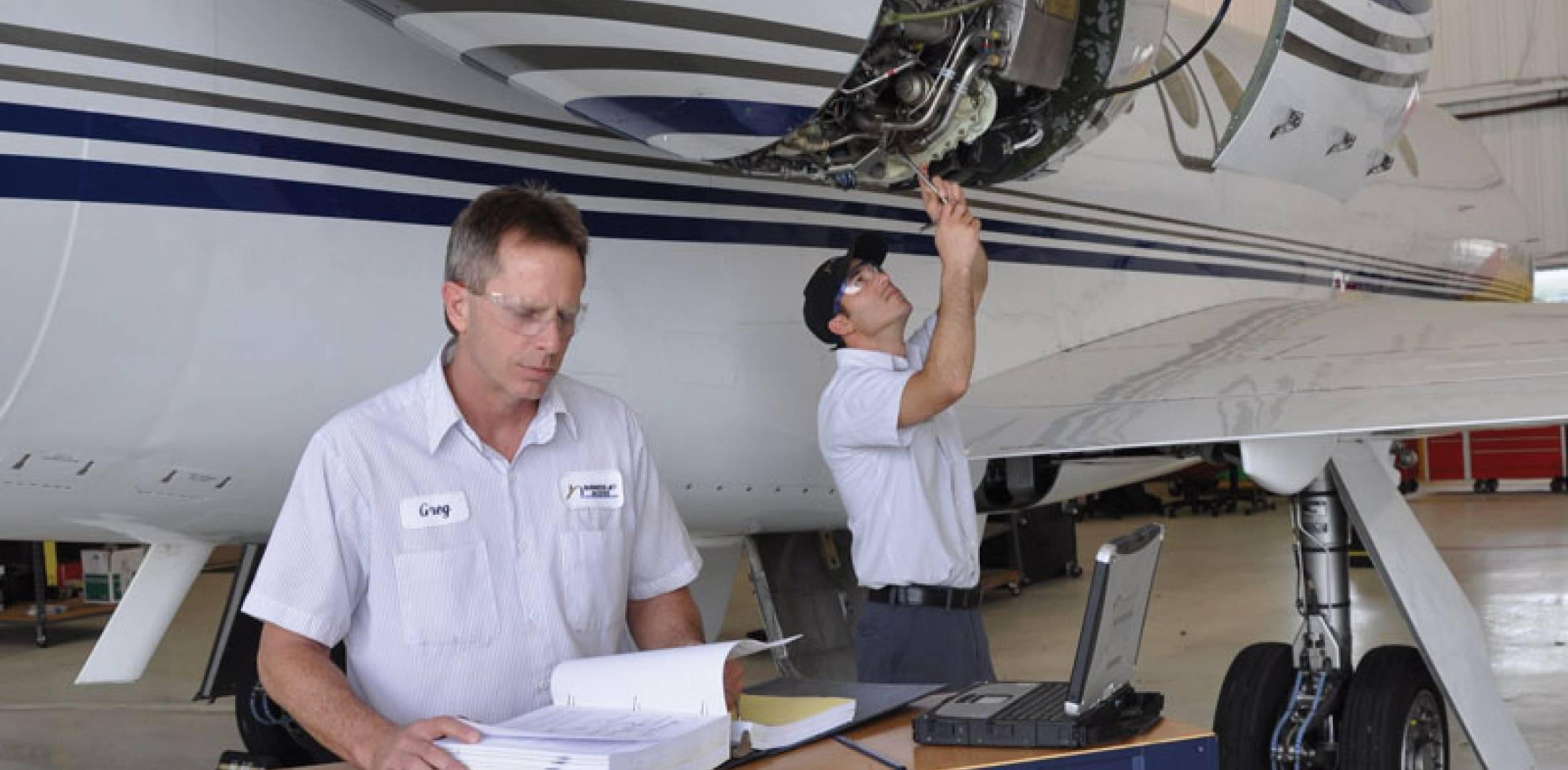 development of aircraft maintenance programme Analysis of the maintenance requirements and inputs reveals that boeing has achieved its objective of providing the aircraft with a maintenance cost advantage over the 737 classics.