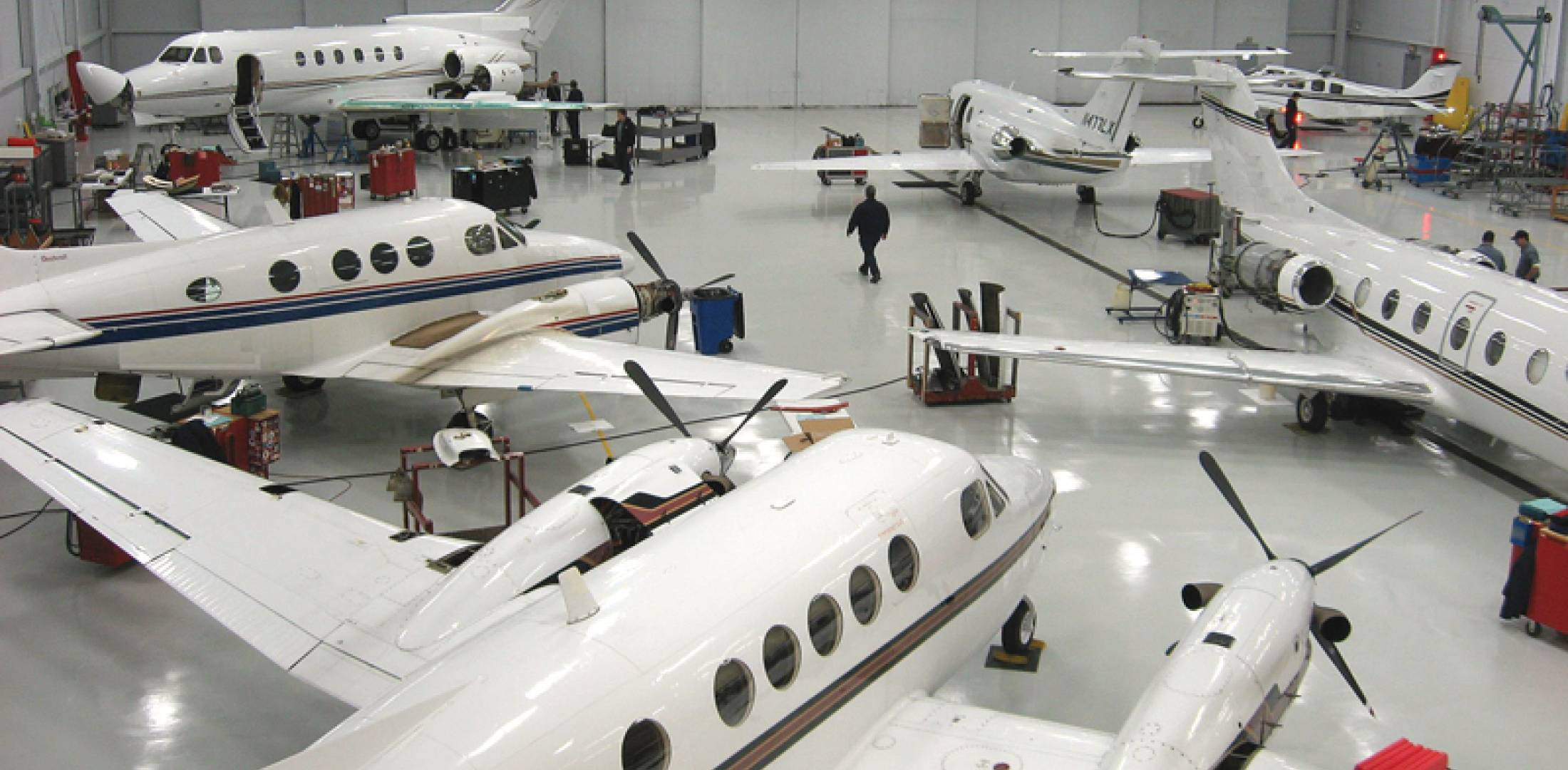 Mro profile stevens aviation dayton business aviation news the stevens aviation part 145 maintenance center at dayton supports both jets and turboprops fandeluxe Image collections