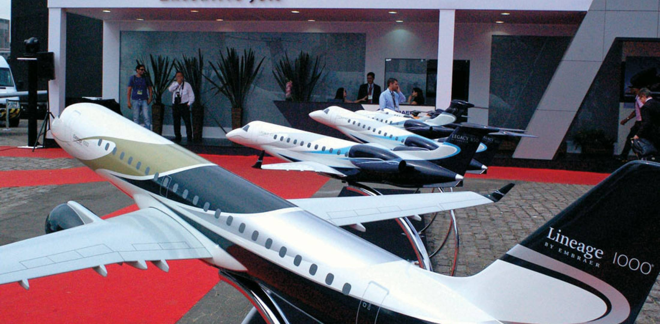 Long range business jets finding favor in latin america for Large cabin business jets
