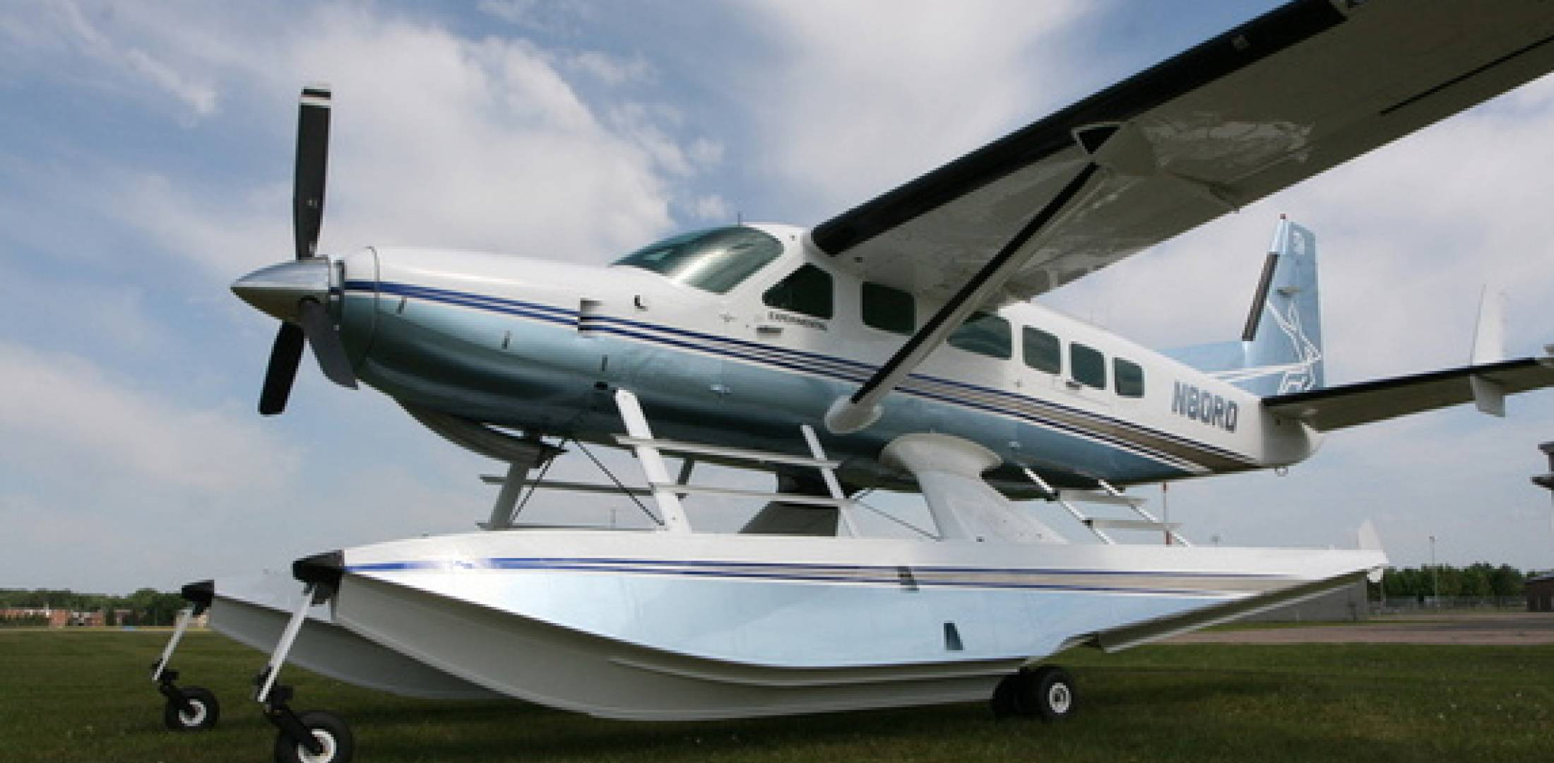 Wipline 8750 floats are pitched at the Cessna Caravan series