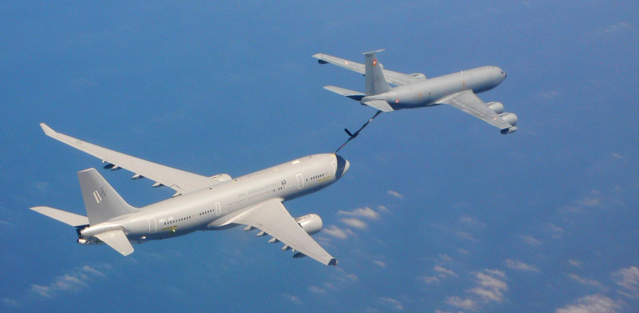 An A330MRTT refuels from a KC-135