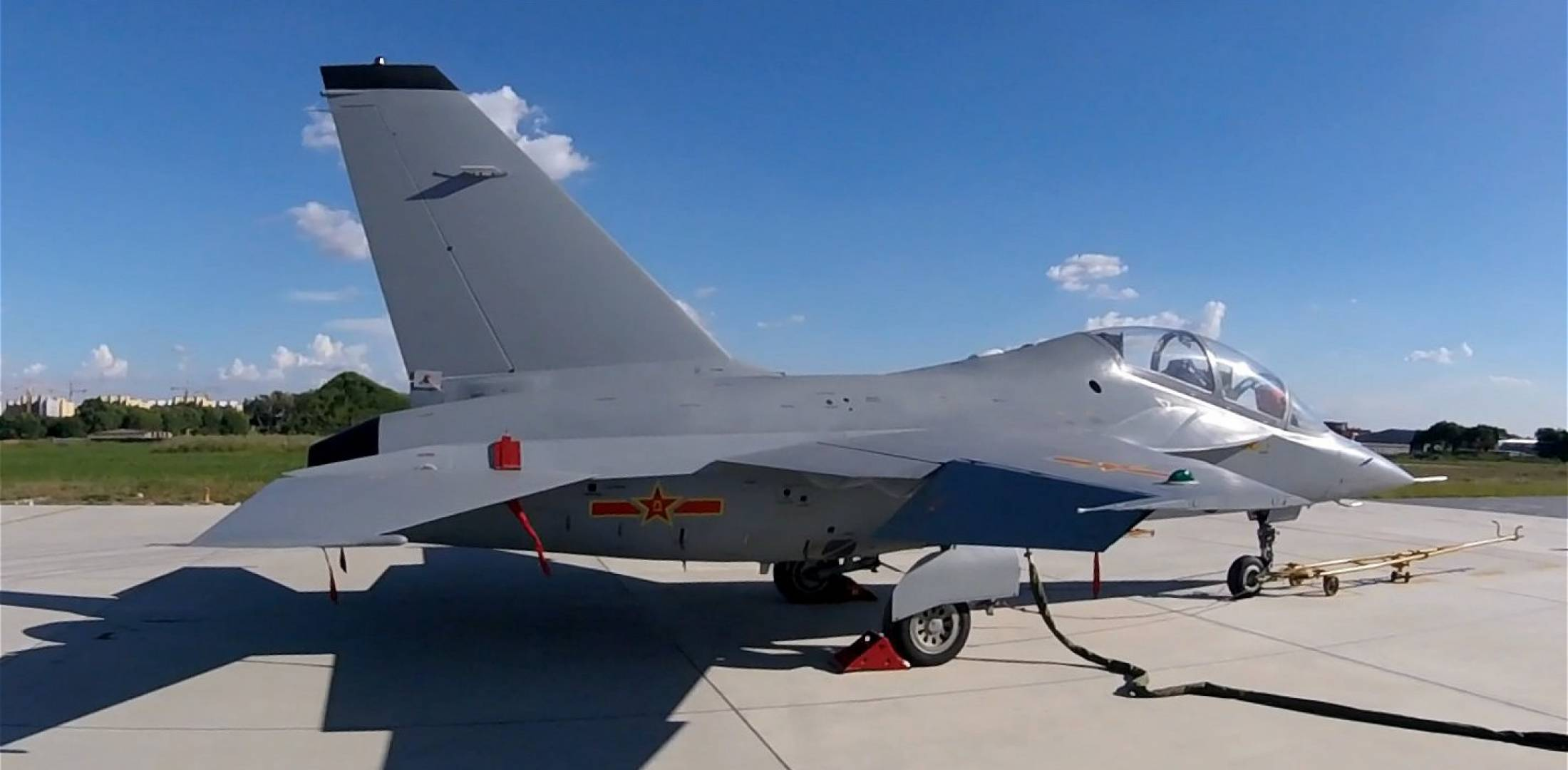 China's Air Force Apparently Receives First L-15 Jet Trainer
