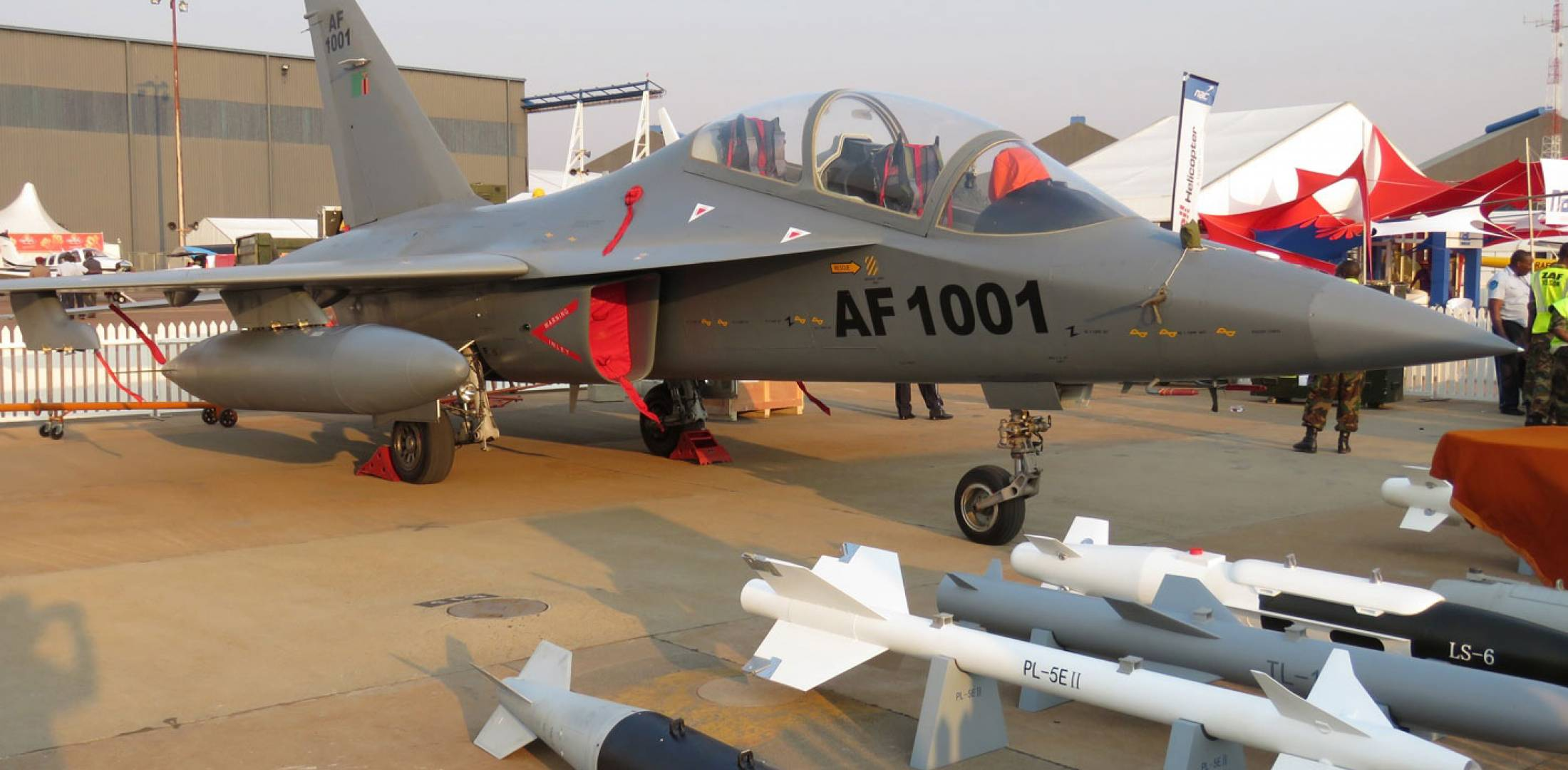 China's L-15 Jet Displayed by Zambia In South Africa | Defense News