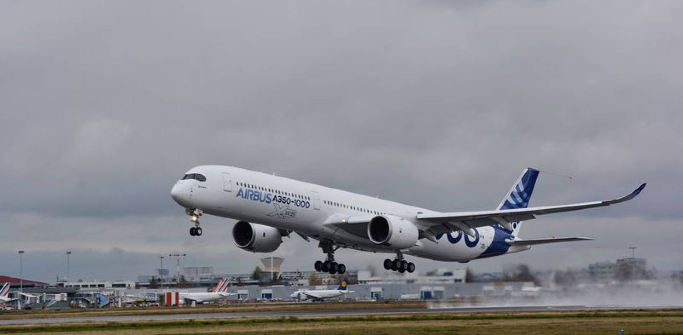 Airbus A350-1000 Completes First Flight | Air Transport News: Aviation ...