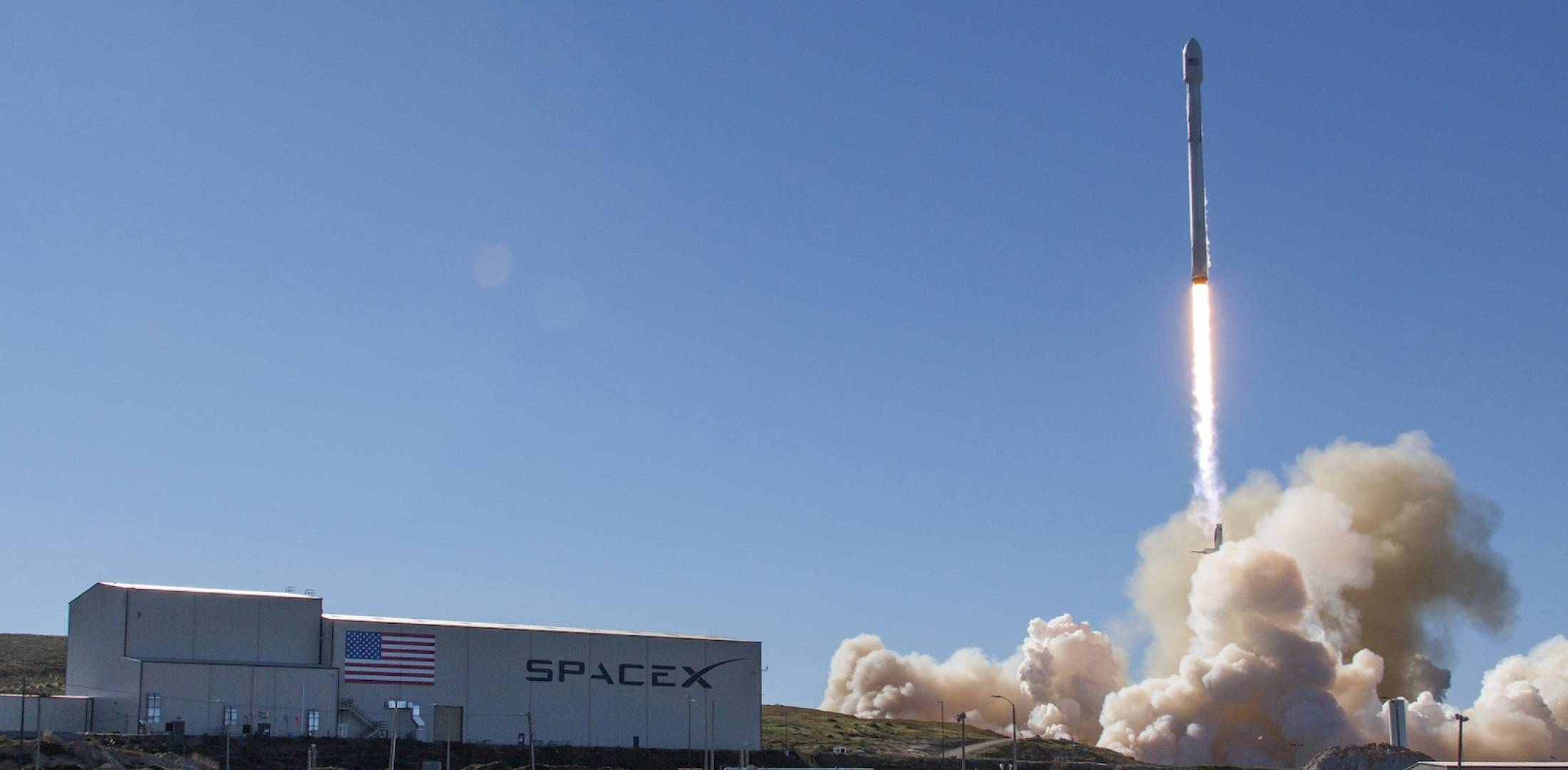 the spacex falcon 9 rocket lifts off from vandenberg air force base with the first iridium next satellites photo spacex