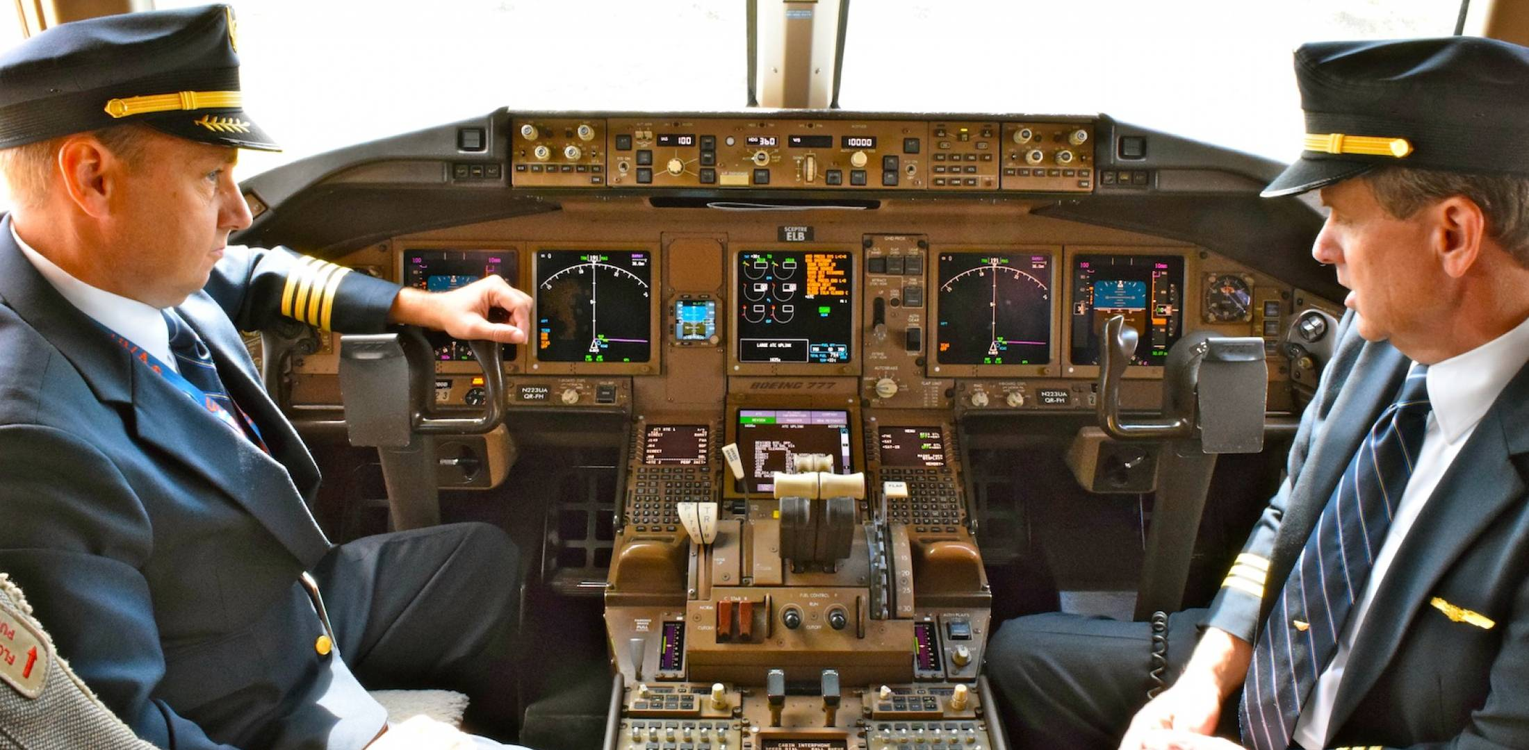 United pilots demonstrate data communications