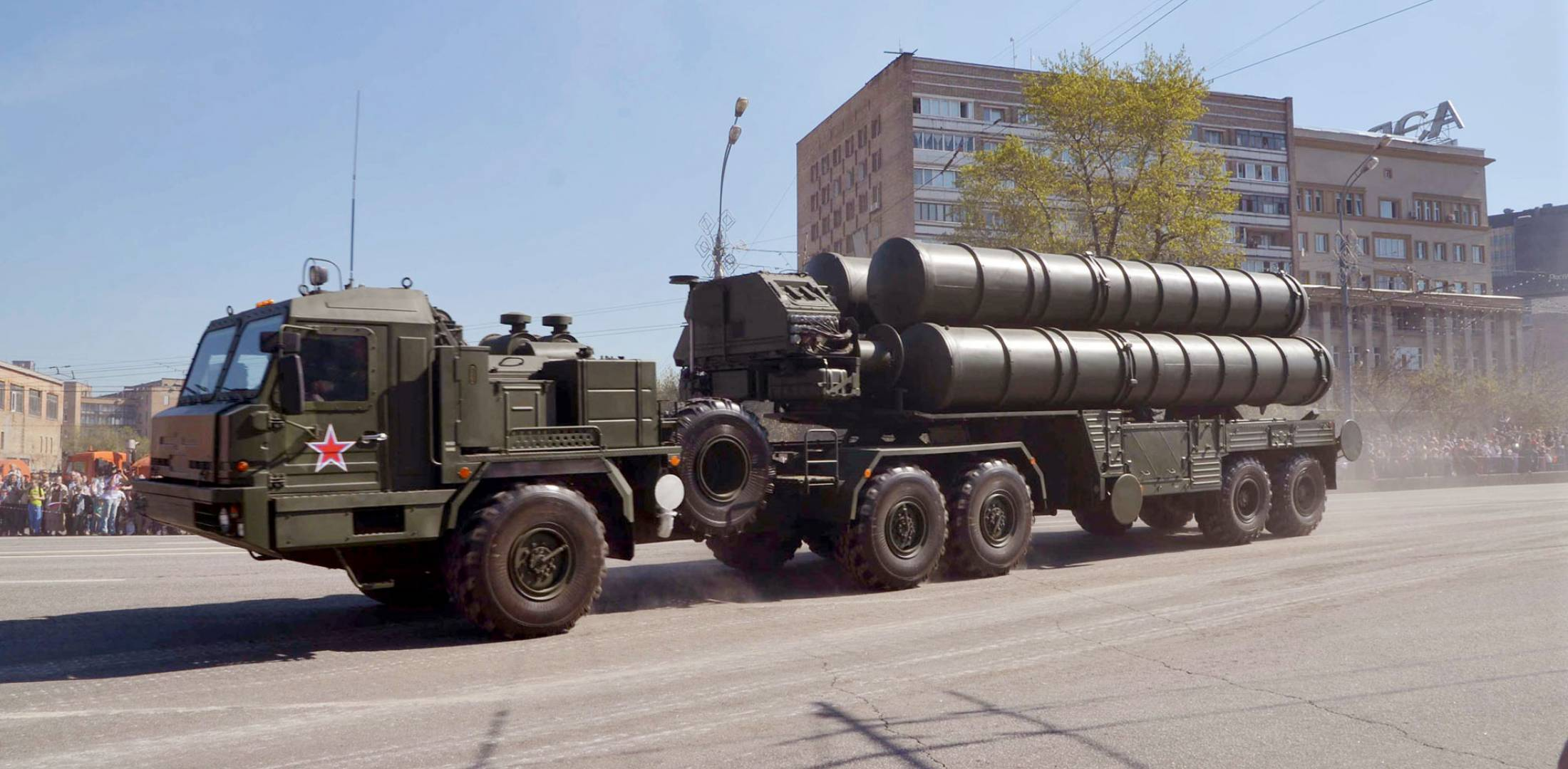 truck carrying missiles