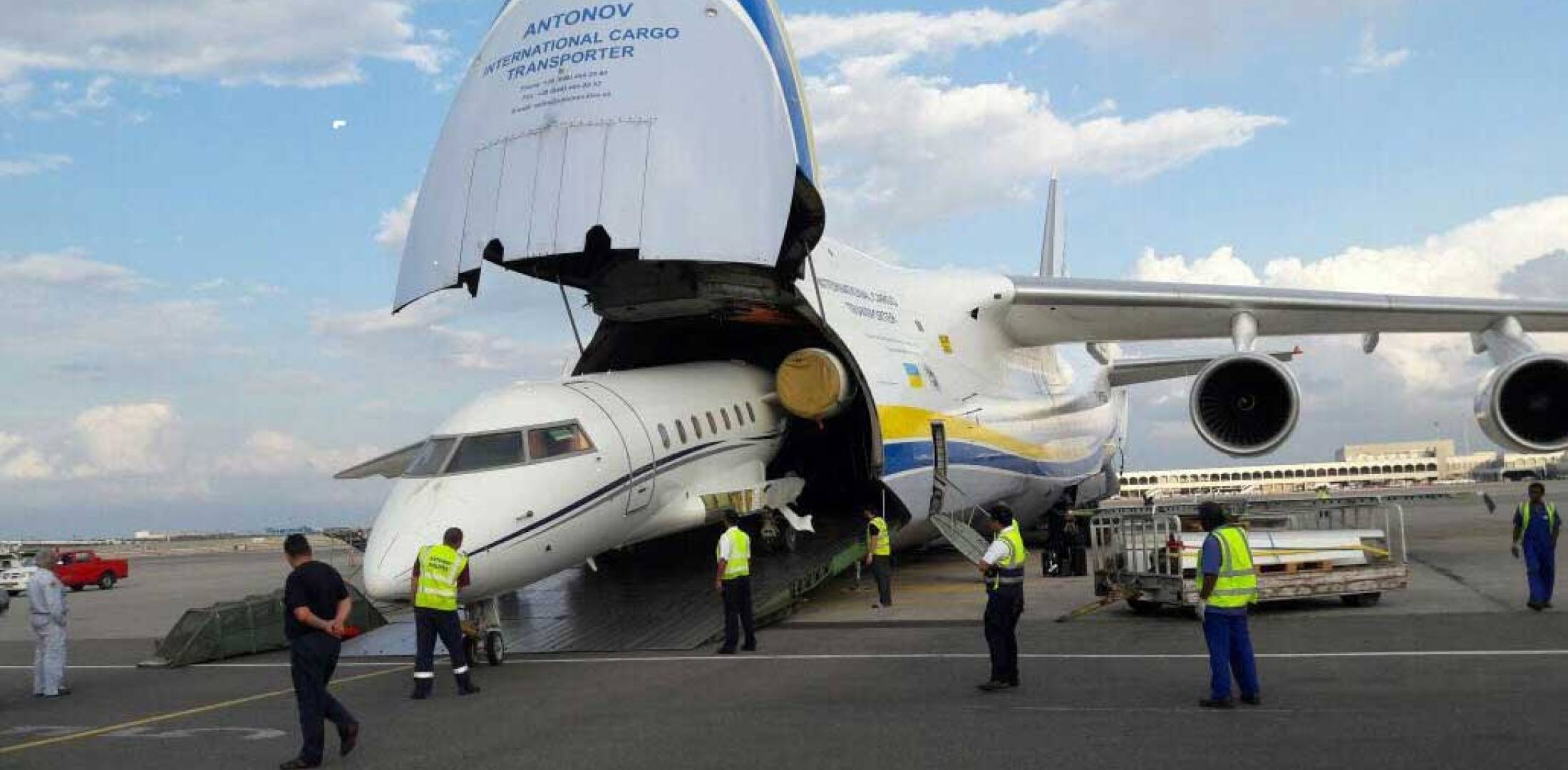 Challenger 604 being loaded onto Antonov 124