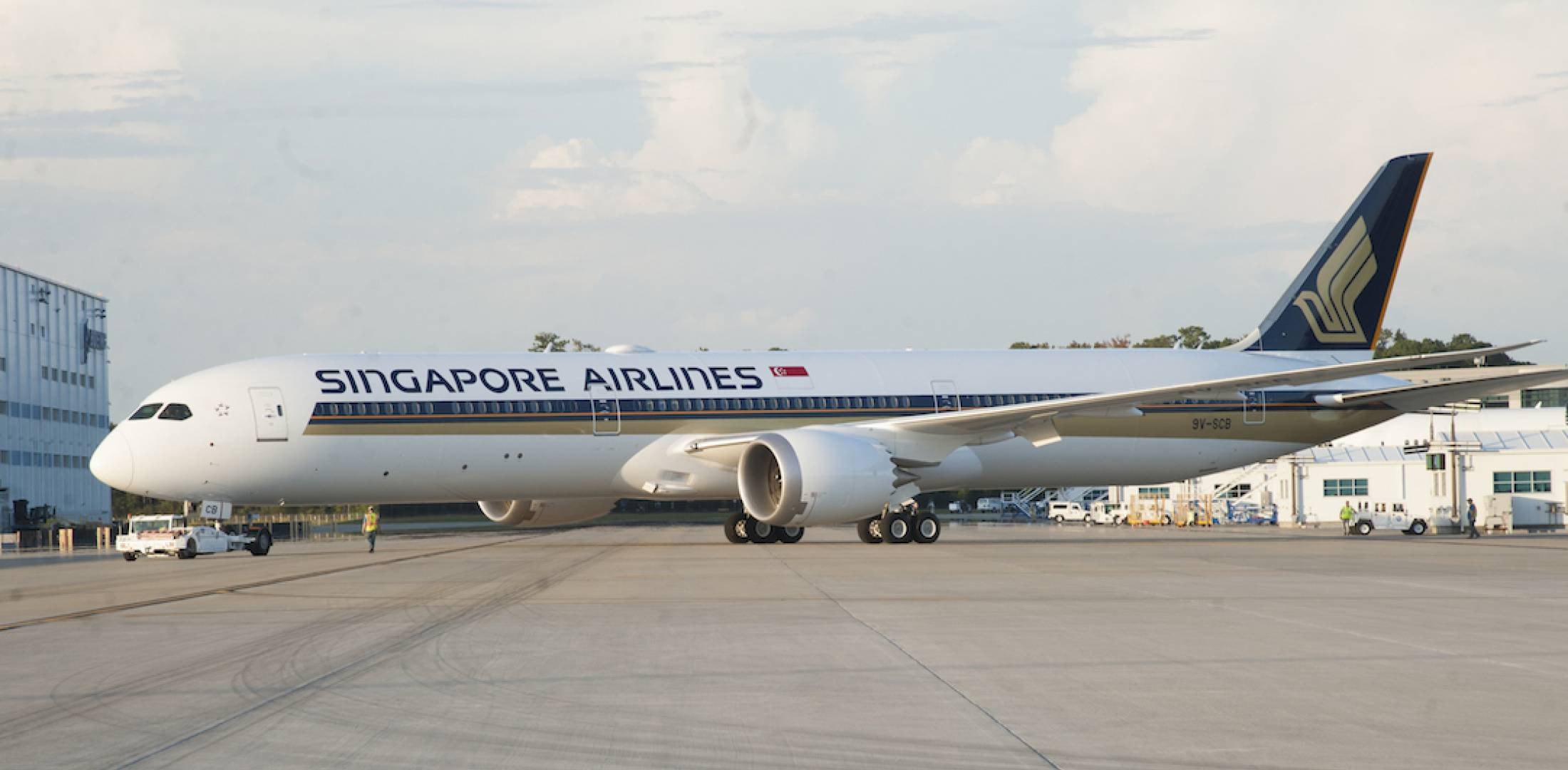 Faa certifies boeing 787 10 for service air transport news singapore airlines expects its first boeing 787 10 to enter service during this years second quarter photo singapore airlines sciox Images
