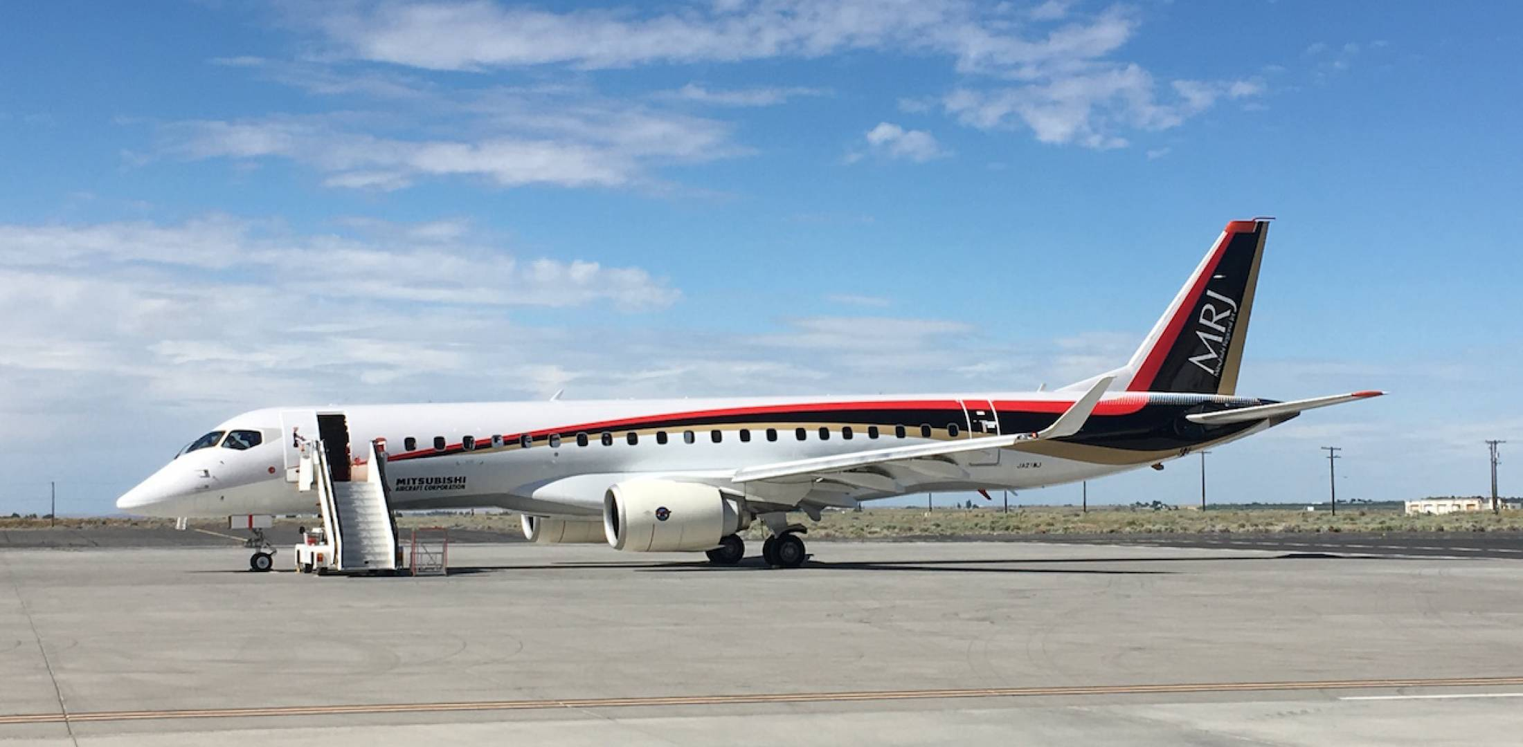flight-test MRJ on ramp