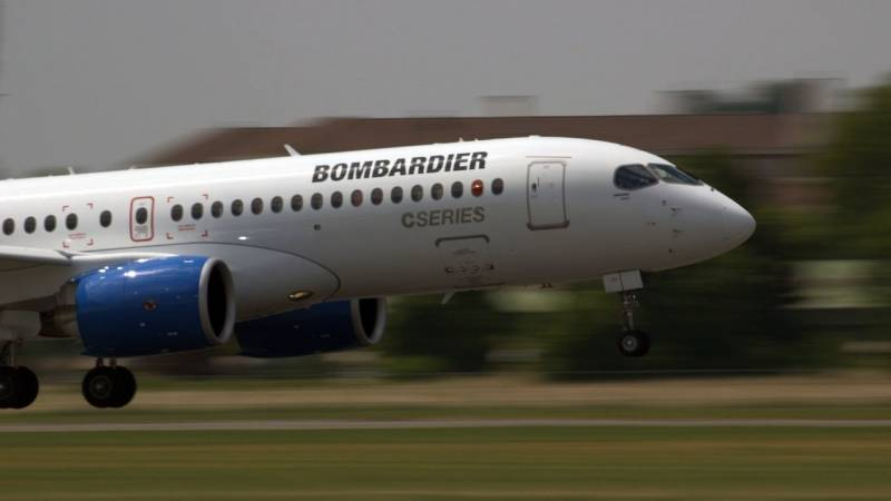 Bombardier CSeries Flying Display At Paris Air Show 2015