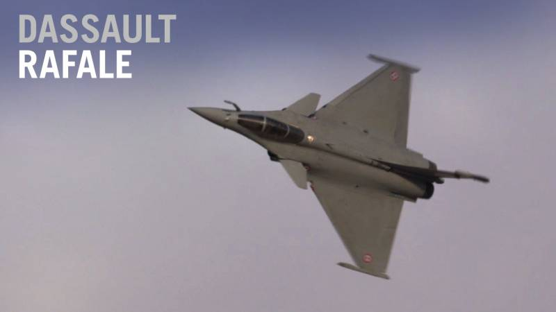 Dassault's Rafale Fighter Flies at the Dubai Airshow - AIN