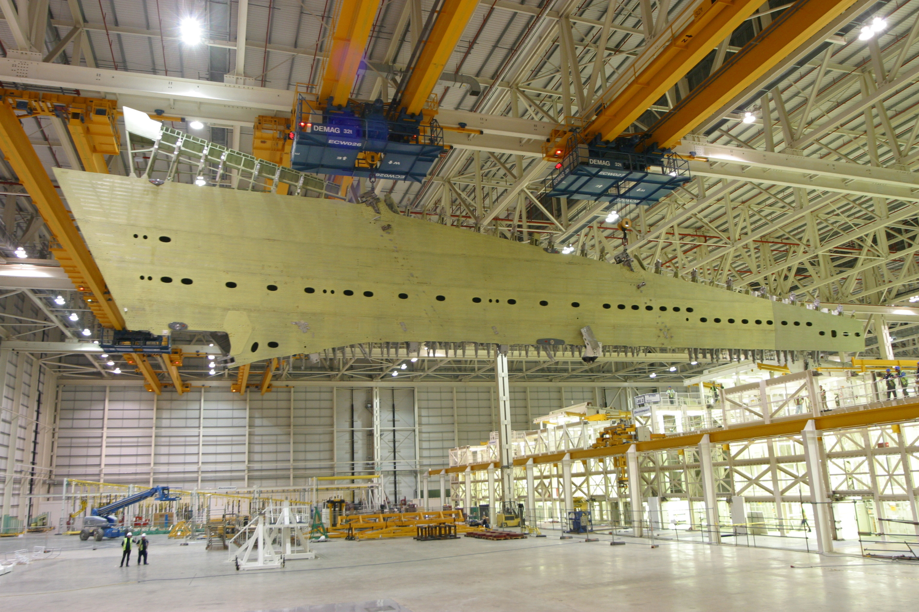 A380-800 - Page 25 A380_wing_broughton