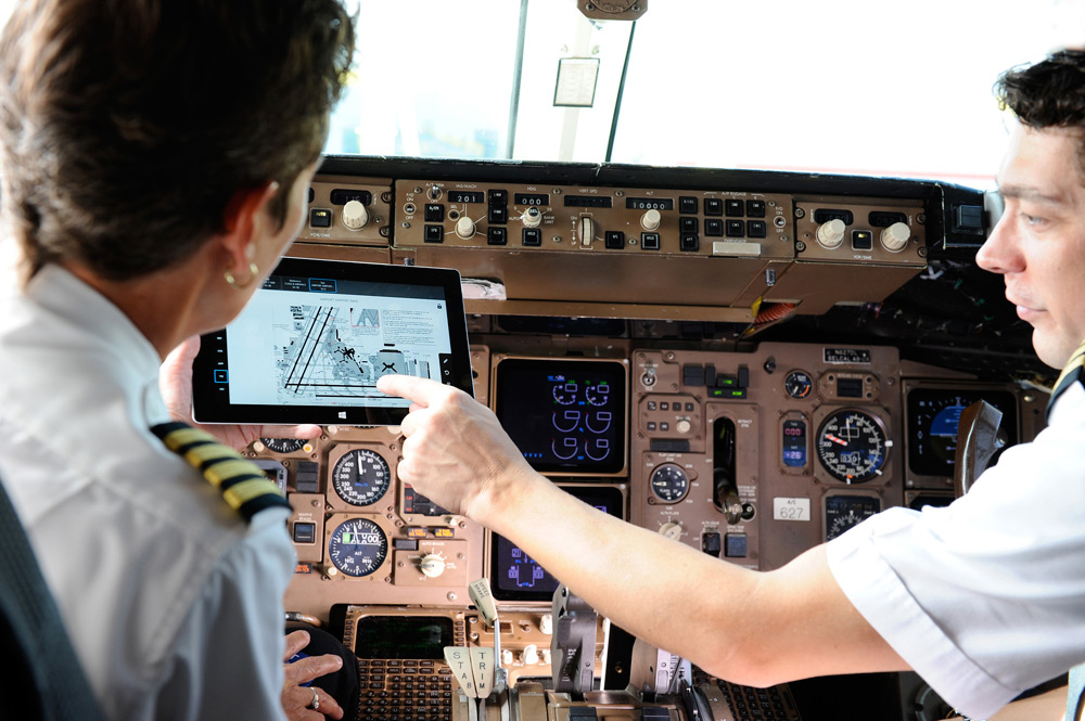 Delta Will Distribute Microsoft Tablets To Pilots Air