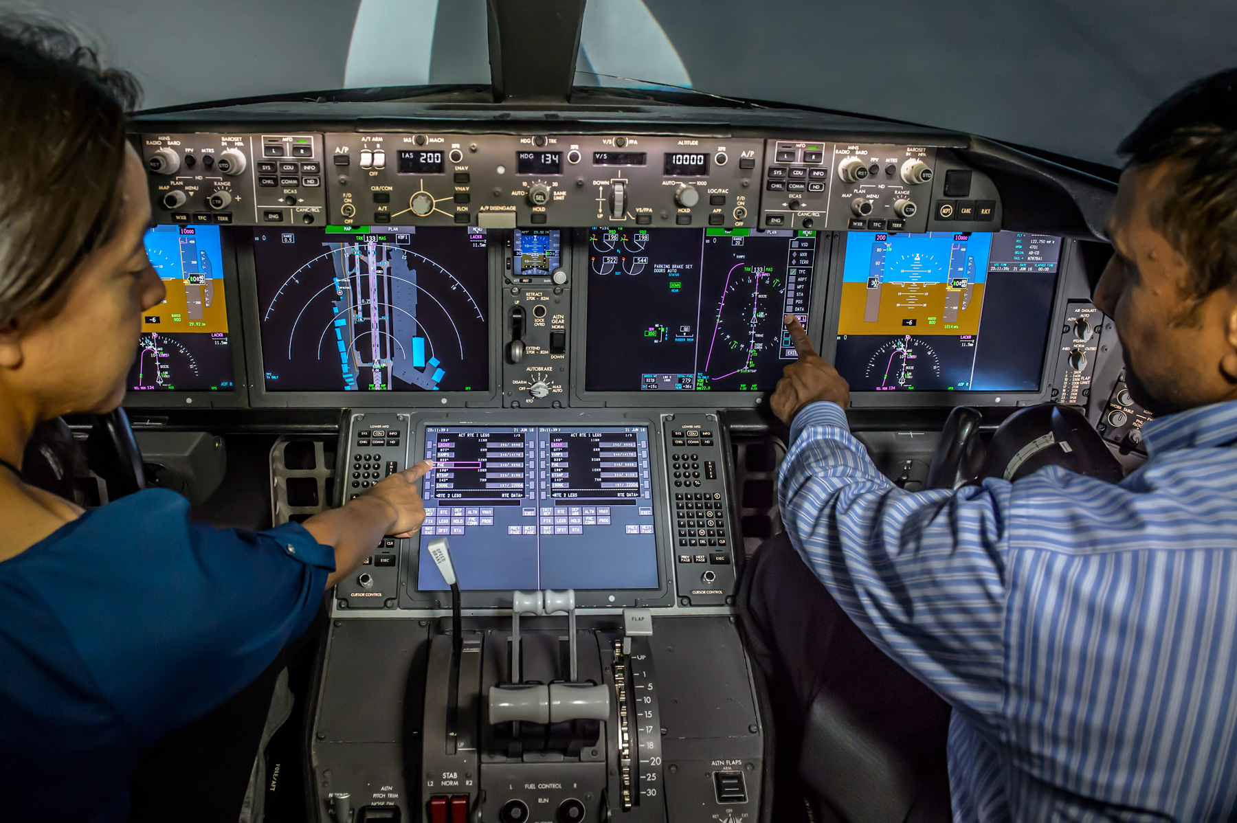 Boeing 777x Cockpit To Feature Touchscreen Displays