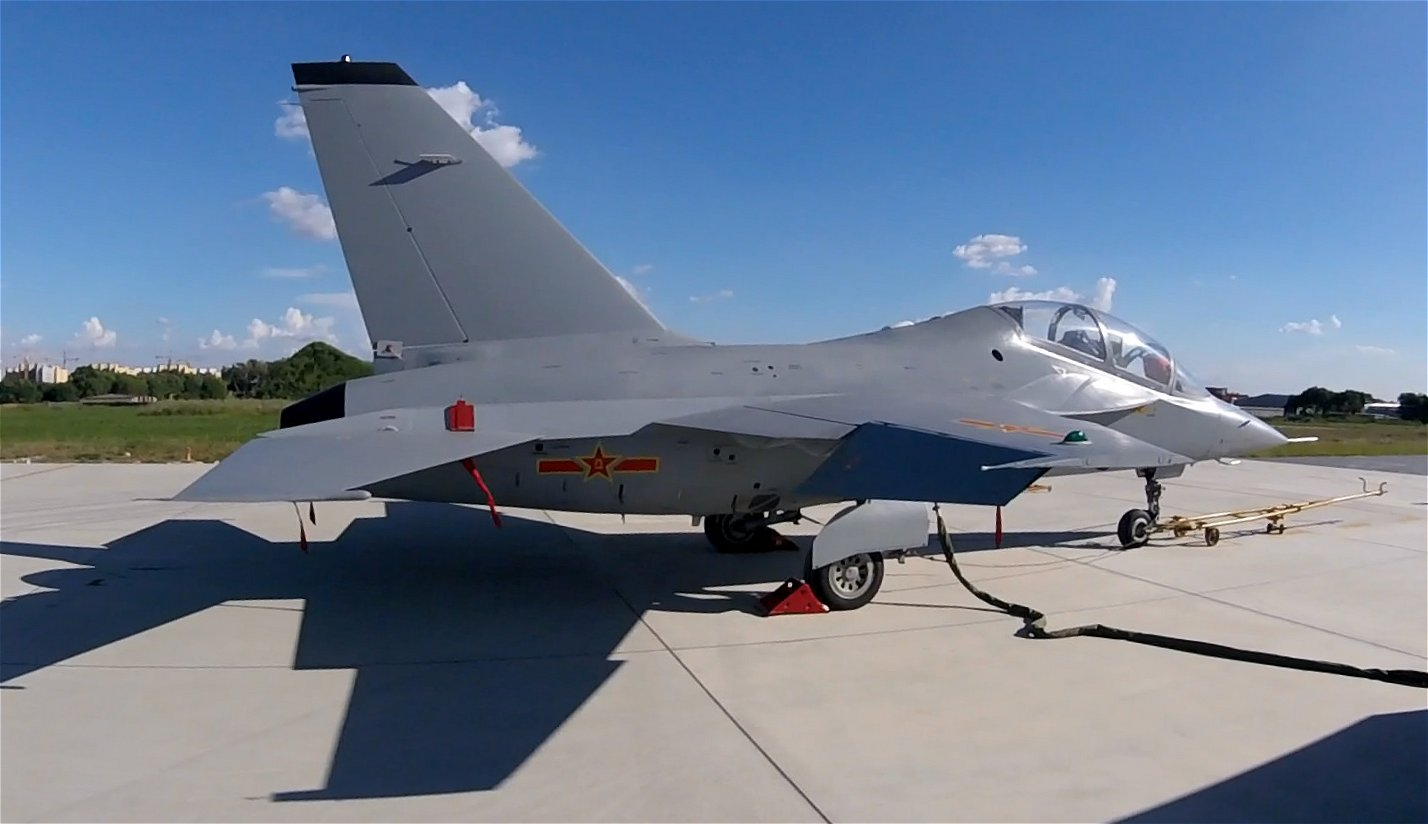 China's Air Force Apparently Receives First L-15 Jet ...