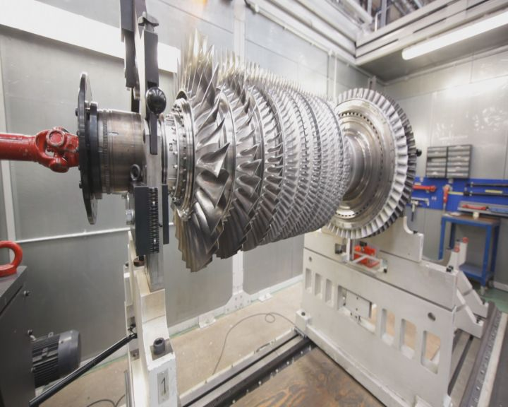Mobile Air Compressor >> Rolls-Royce Prepares First 'Advance' Engine Core for ...