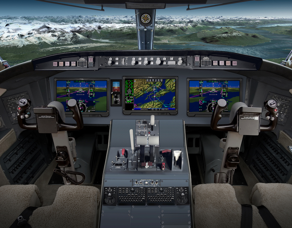 Pro Line Fusion Touchscreens Aim for Challenger 604 ...
