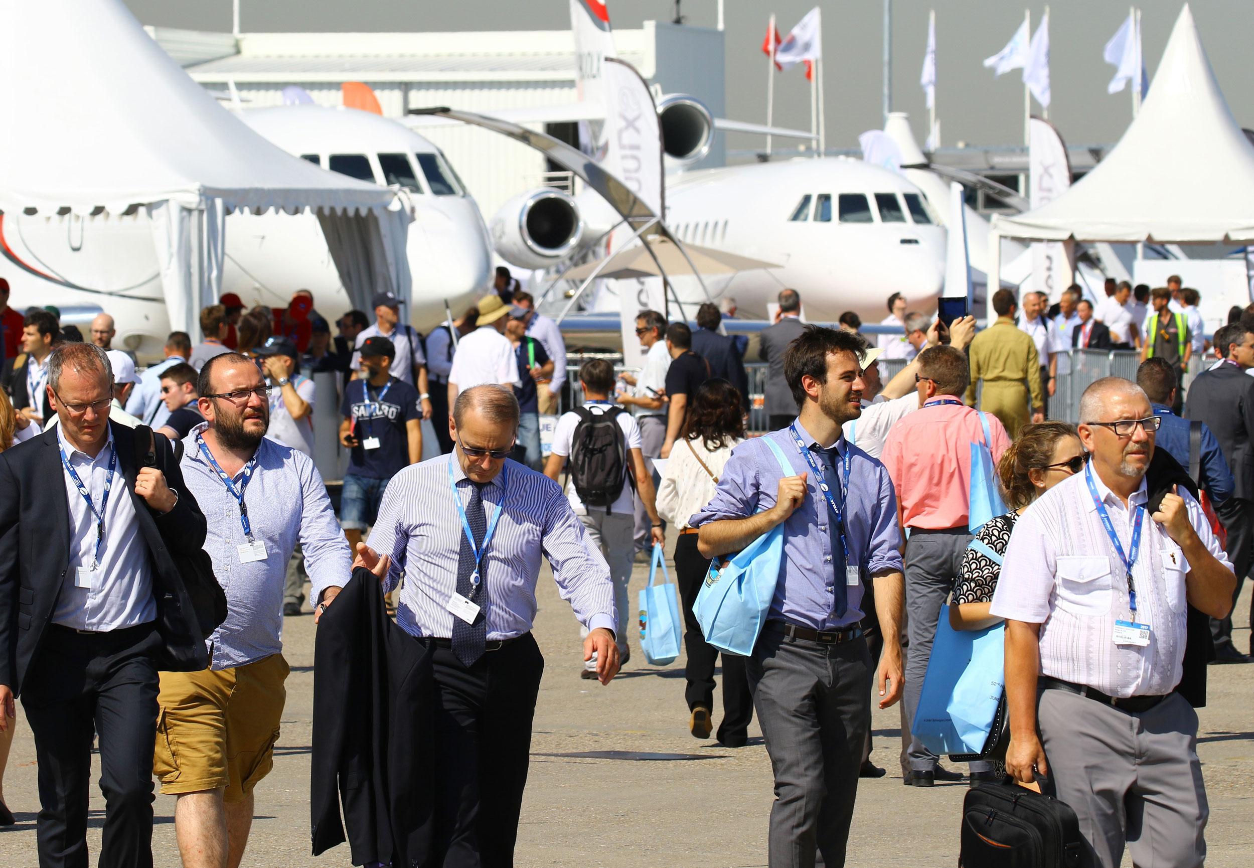 Paris salon swelters and surprises aerospace news for Programme bourget 2017