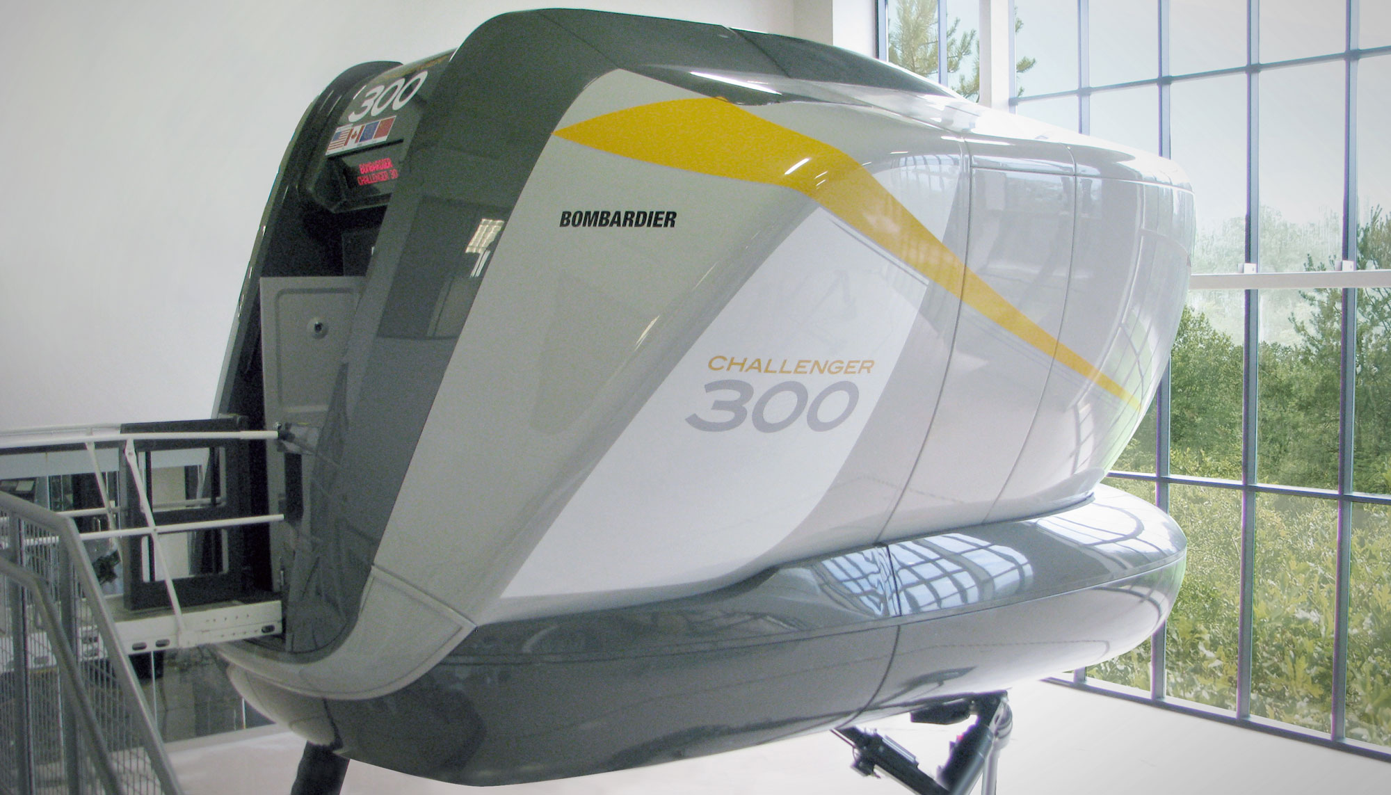 Bombardier Adds Challenger 300 Sim at Dallas Center