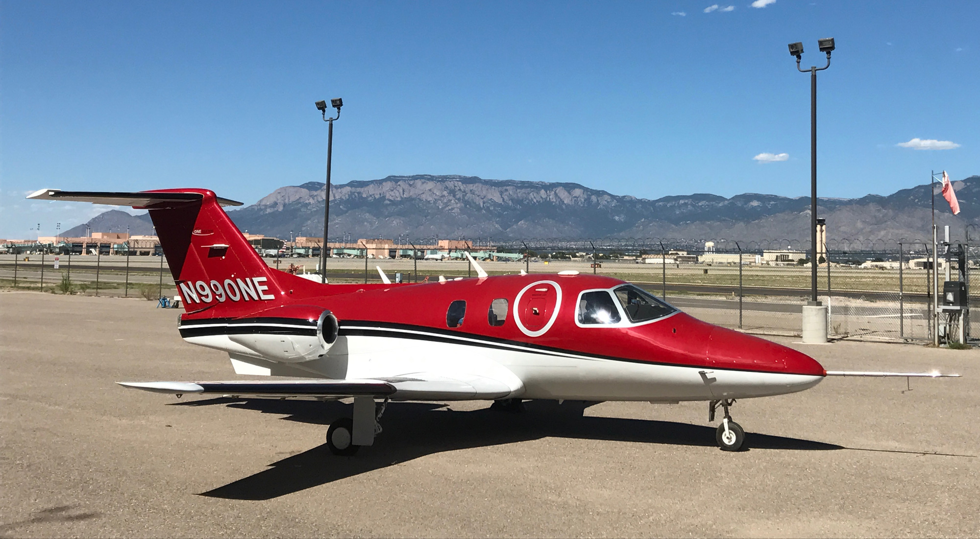 One Aviation Unveils Testbed With Eclipse 700 Wing