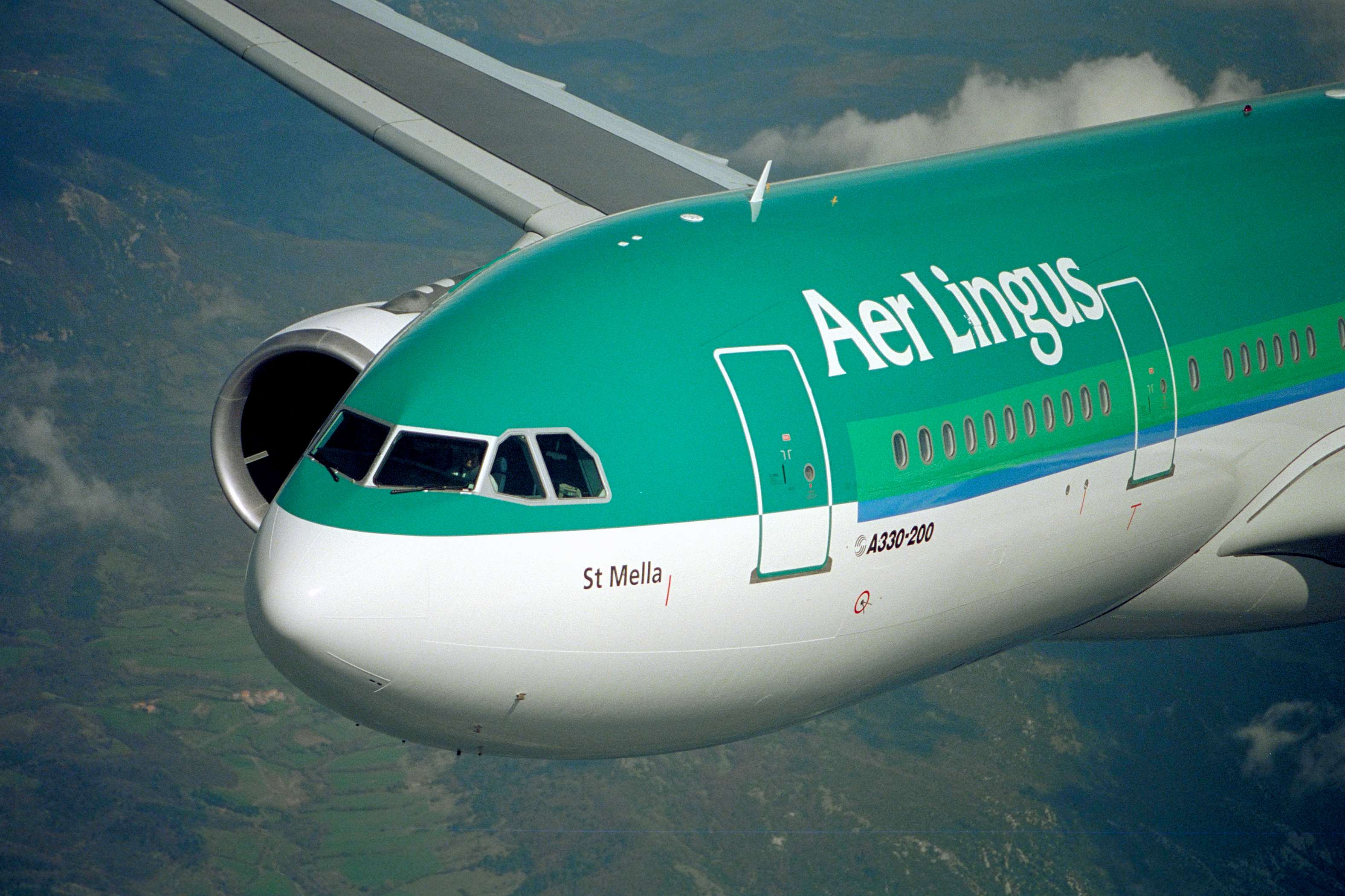 case study aer lingus and ryanair 2018-5-7 a slice of the action and end up smashing the aer lingus or british airways high  case study 06/04/2009 ryanair case study executive summary the.