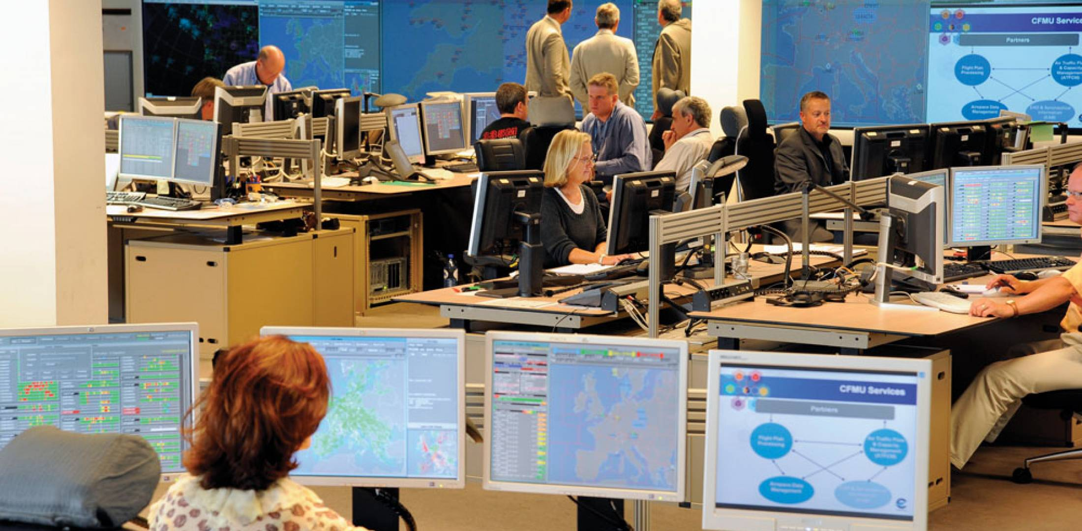 Eurocontrol's network manager operations center in Brussels is based on the concept of a central flow management unit. It has the responsibilty to coordinate and manage flight planning and airspace data, as well as air traffic in the 39 ECAC member states.