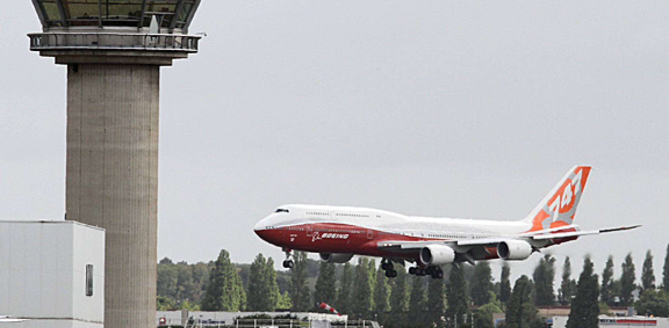 Now having accumulated some 300 hours of flight testing, the 747-8I has trave...