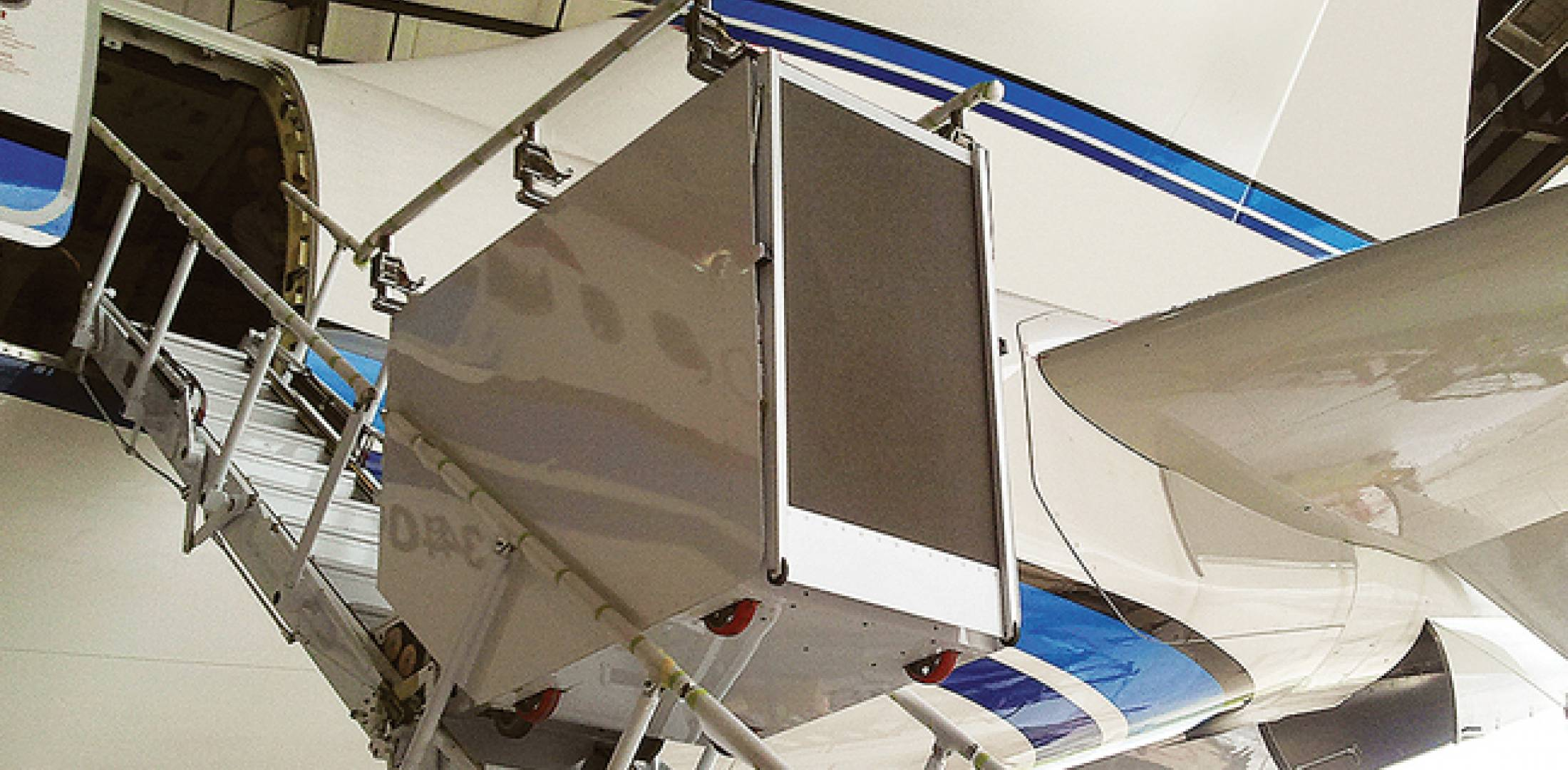 The Aero Lift was recently installed in the aft door in an Airbus A340-500.