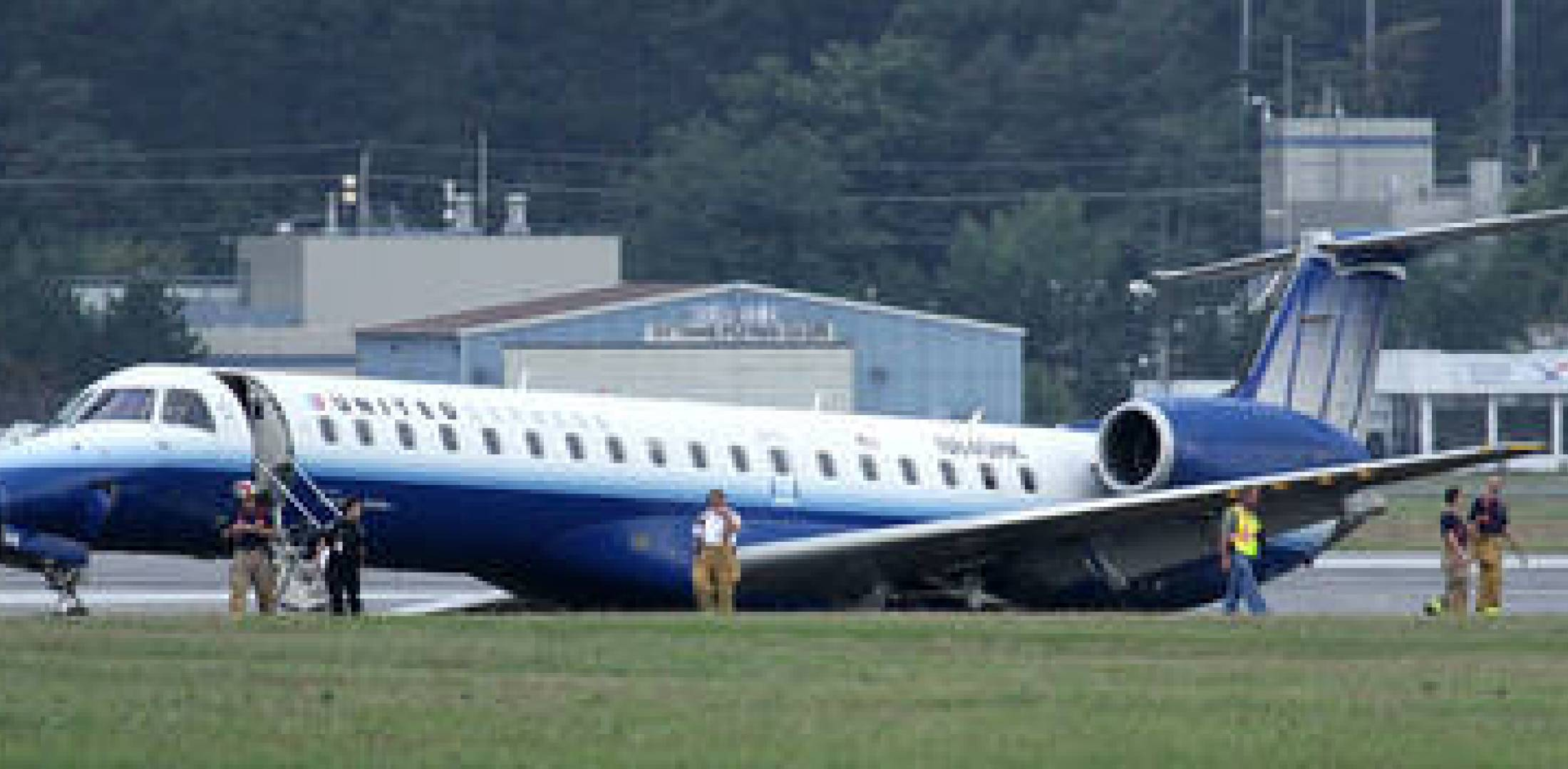 A Trans States Airlines Embraer ERJ 145 skidded off Ottawa's 10,000-foot Runw