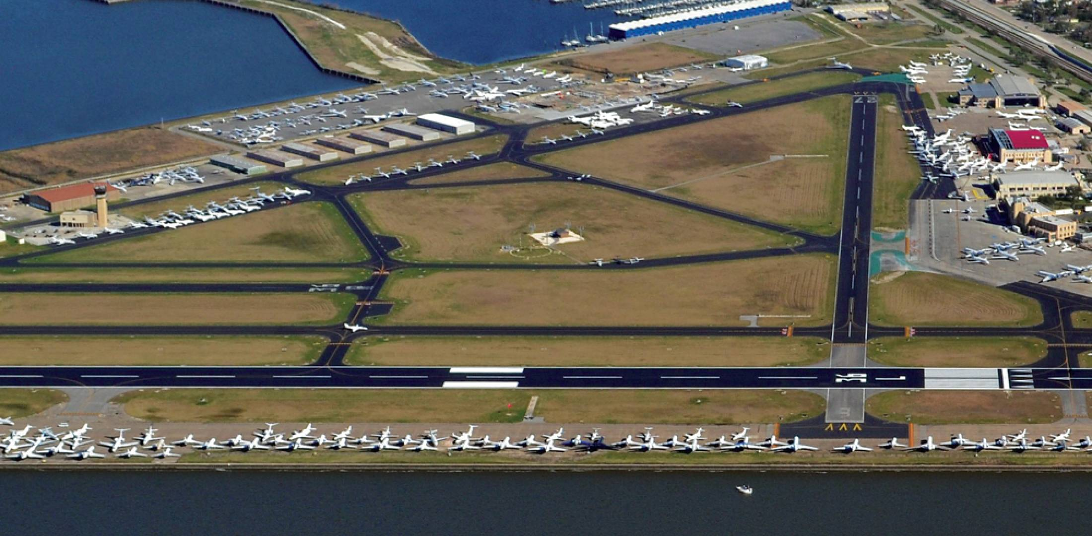 All told, nearly 1,000 business aircraft arrived at New Orleans airports–Lakefront and Louis Armstrong–for the Super Bowl. (Photo: JMT Aviation and Hawthorne Global Aviation Services; Aircraft provided by Gulf Coast Aviation)