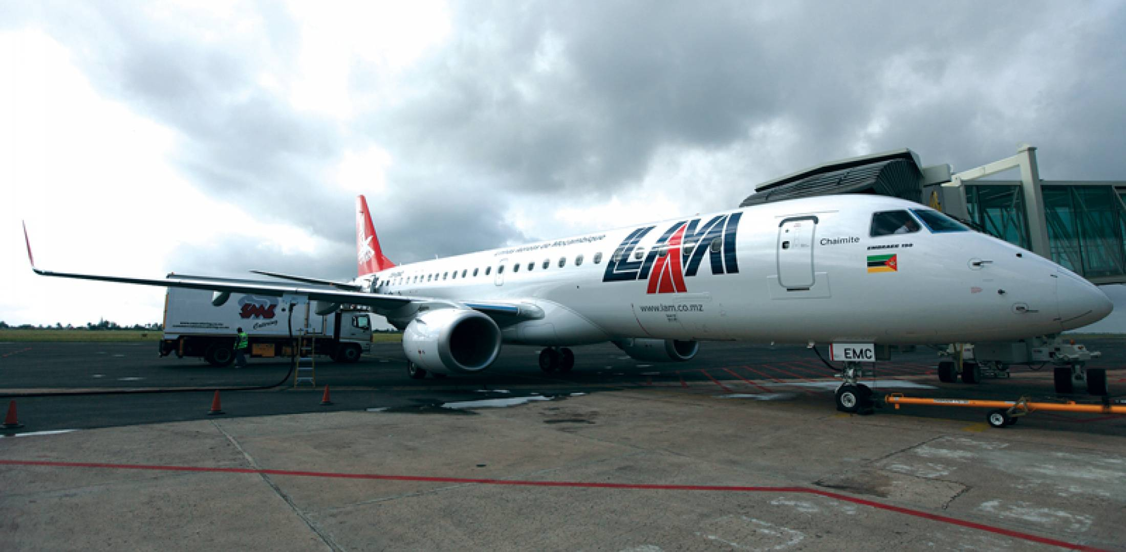 LAM Embraer E190s based at Mozambique's Maputo International Airport have replaced Boeing 737-200s.