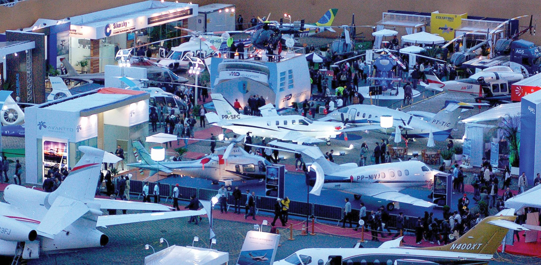 Packed to capacity, the static display at Congonhas Airport boasted 68 aircraft, ranging from piston singles to Embraer's ultra-large-cabin Lineage 1000 business jet.