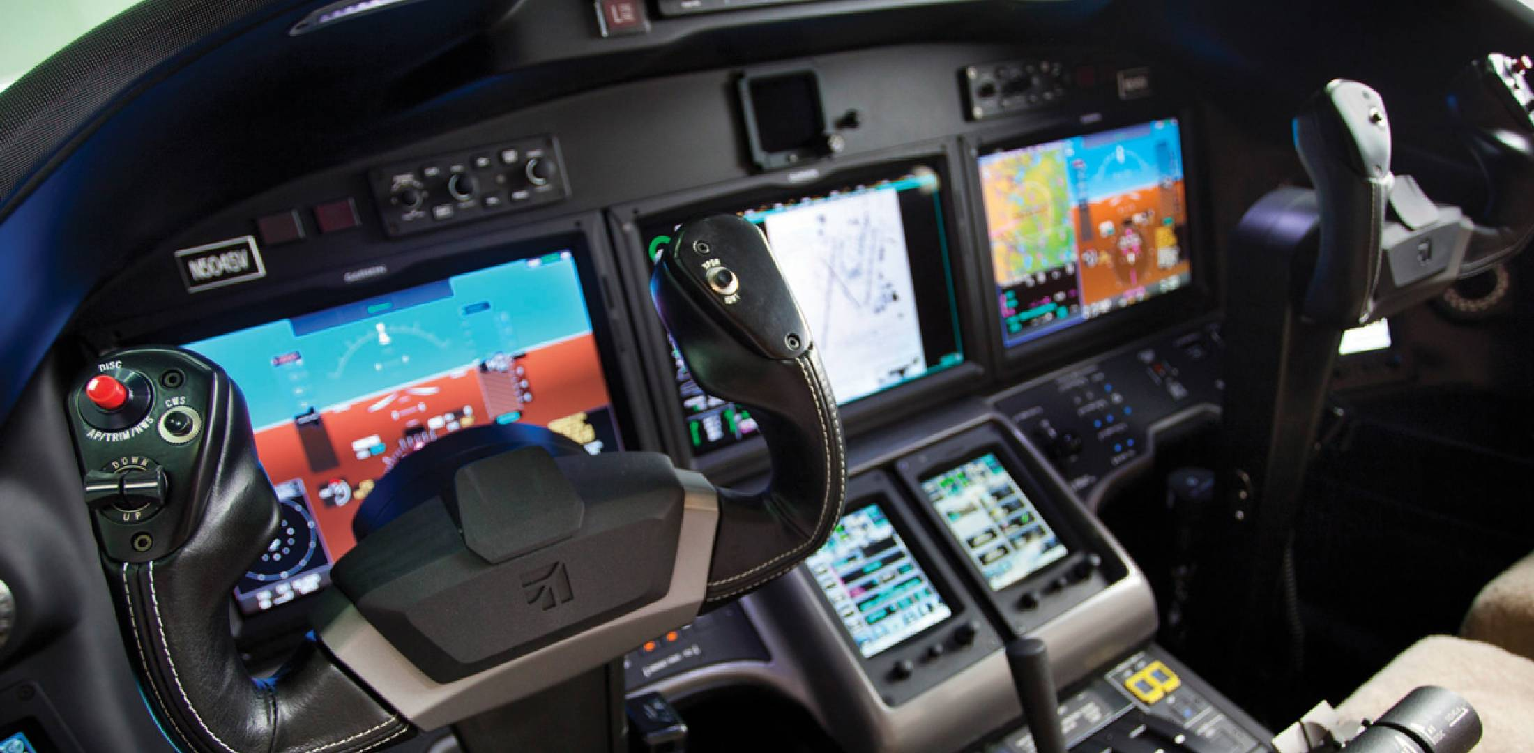 The Sovereign cockpit was designed to be an integrated whole with the cabin and features Cessna's Intrinzic flight deck (based on a Garmin G5000 system) and leather and stainless steel trim.