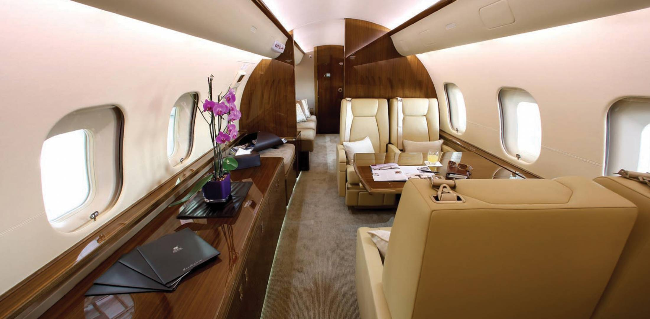 Qatar Executive Bombardier Global 5000 Vision Interior
