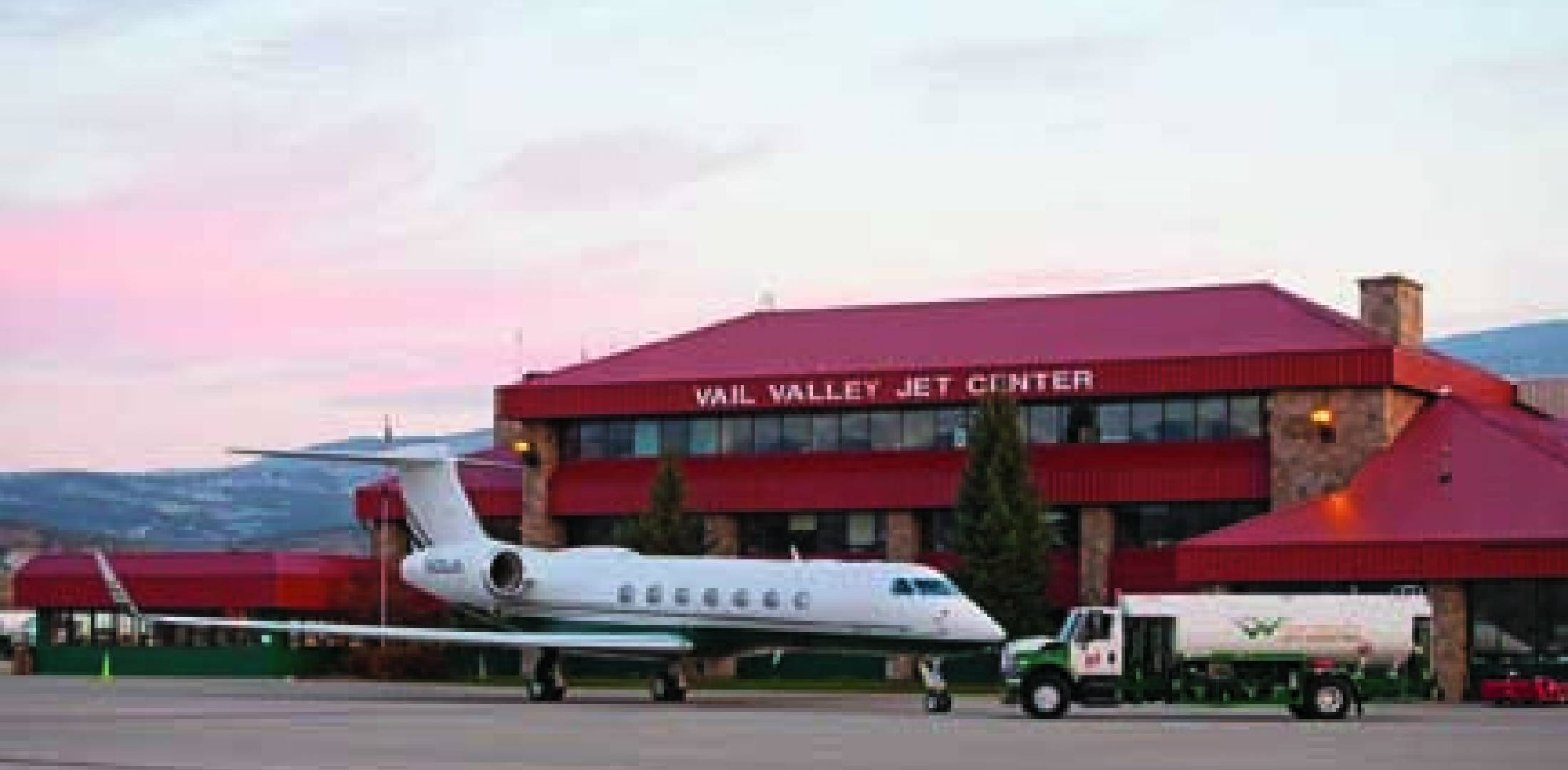 The Vail Valley Jet Center's business heats up as the snow falls.
