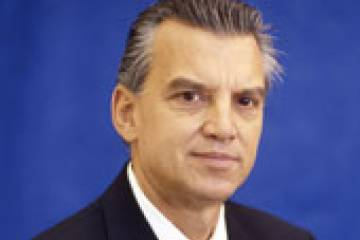 Embraer executive vice president for the airline market Paulo Cesar de Souza ...