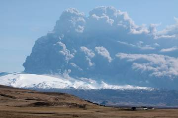 New scientific research into last year's eruption of Iceland's Eyjafjallajoku...